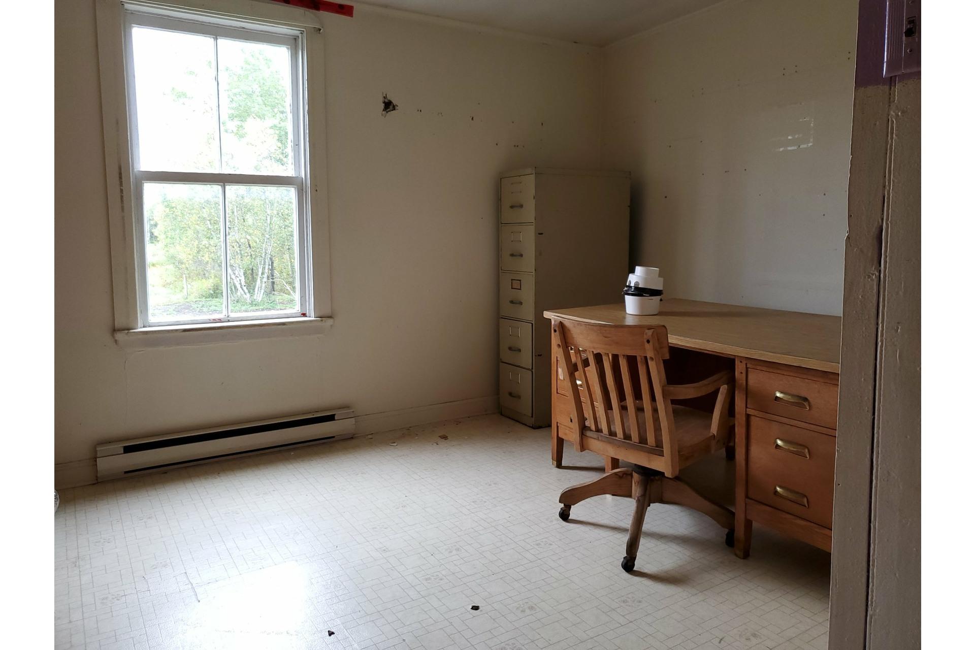 image 26 - Farmhouse For sale Sainte-Marie-de-Blandford - 10 rooms