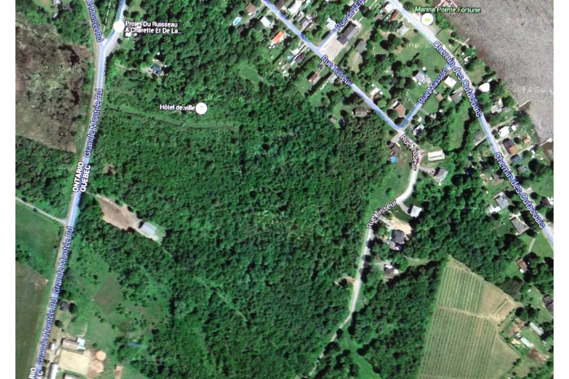 image 0 - Land For sale Pointe-Fortune