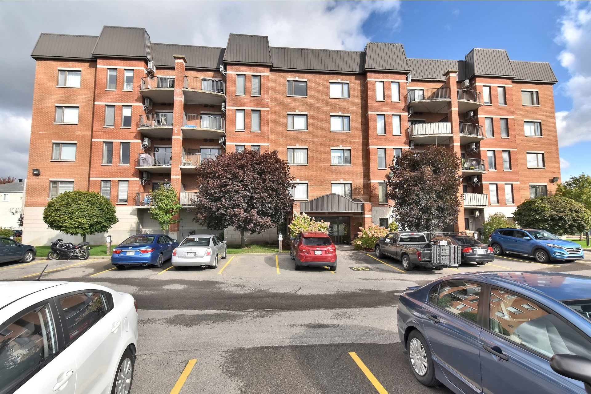 image 1 - Apartment For sale Fabreville Laval  - 6 rooms