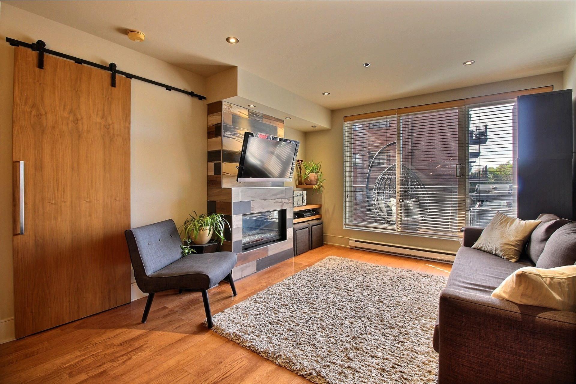 image 5 - Appartement À louer Ville-Marie Montréal  - 6 pièces