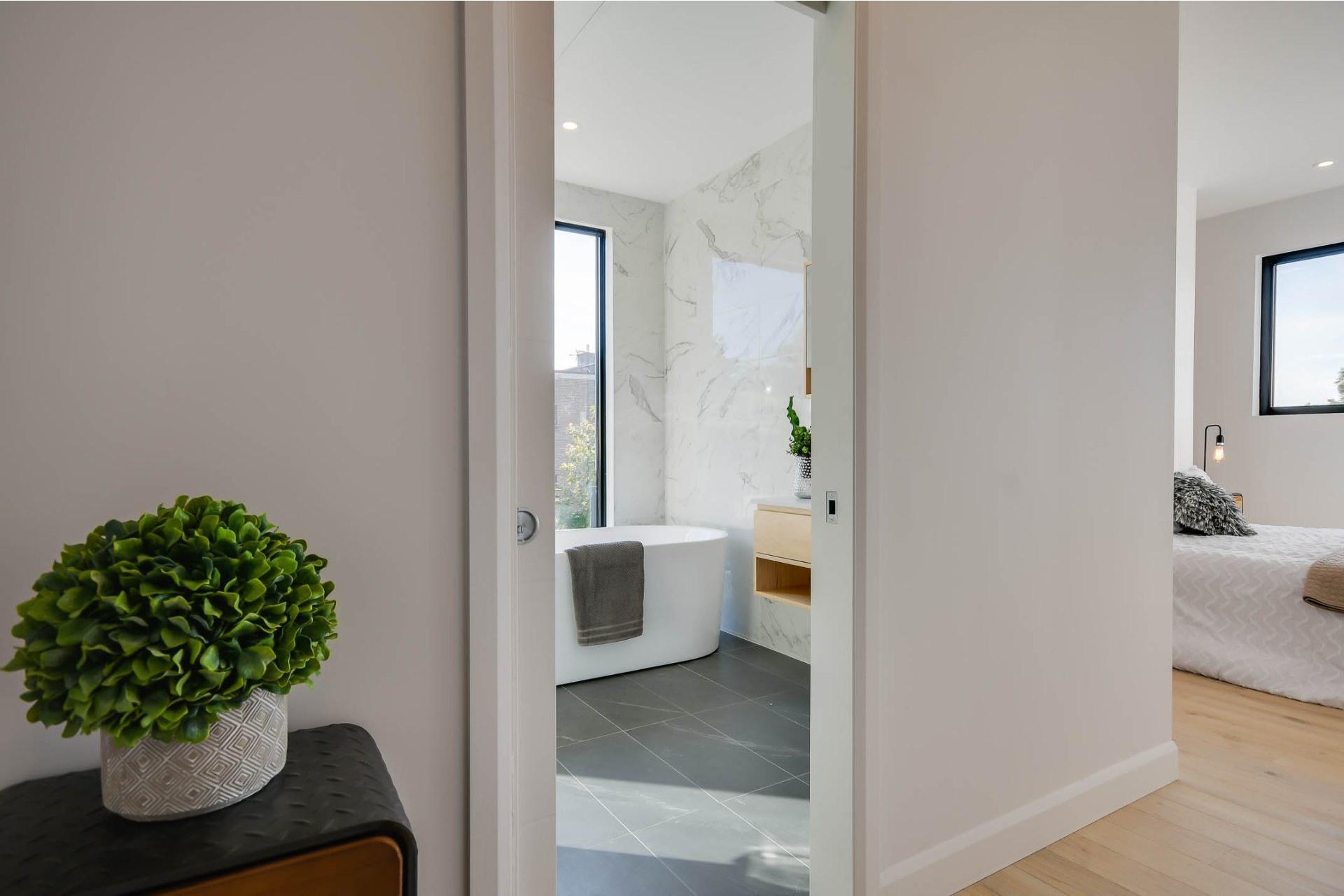 image 1 - Apartment For sale Villeray/Saint-Michel/Parc-Extension Montréal  - 7 rooms