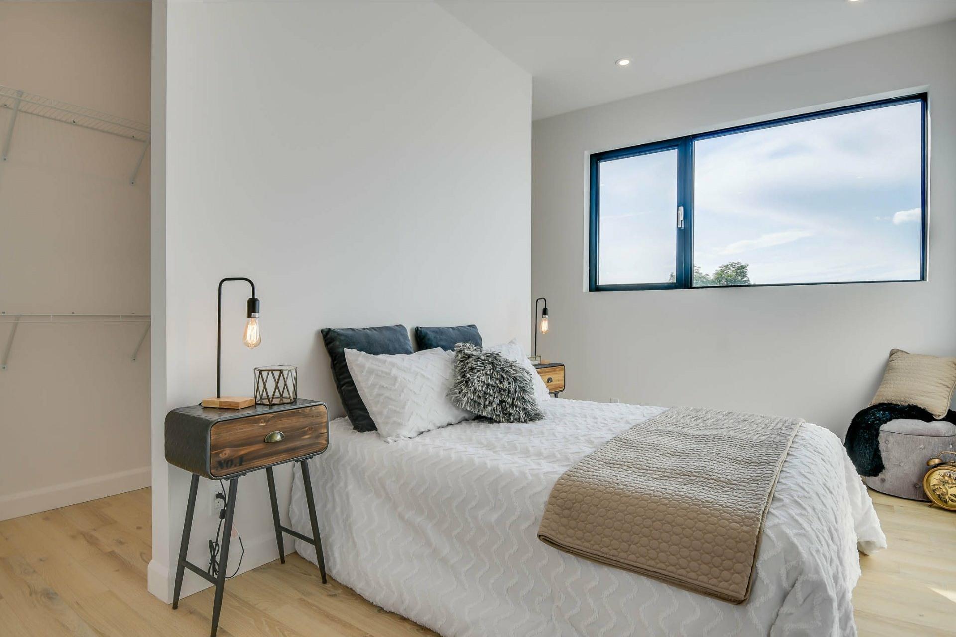 image 2 - Apartment For sale Villeray/Saint-Michel/Parc-Extension Montréal  - 7 rooms