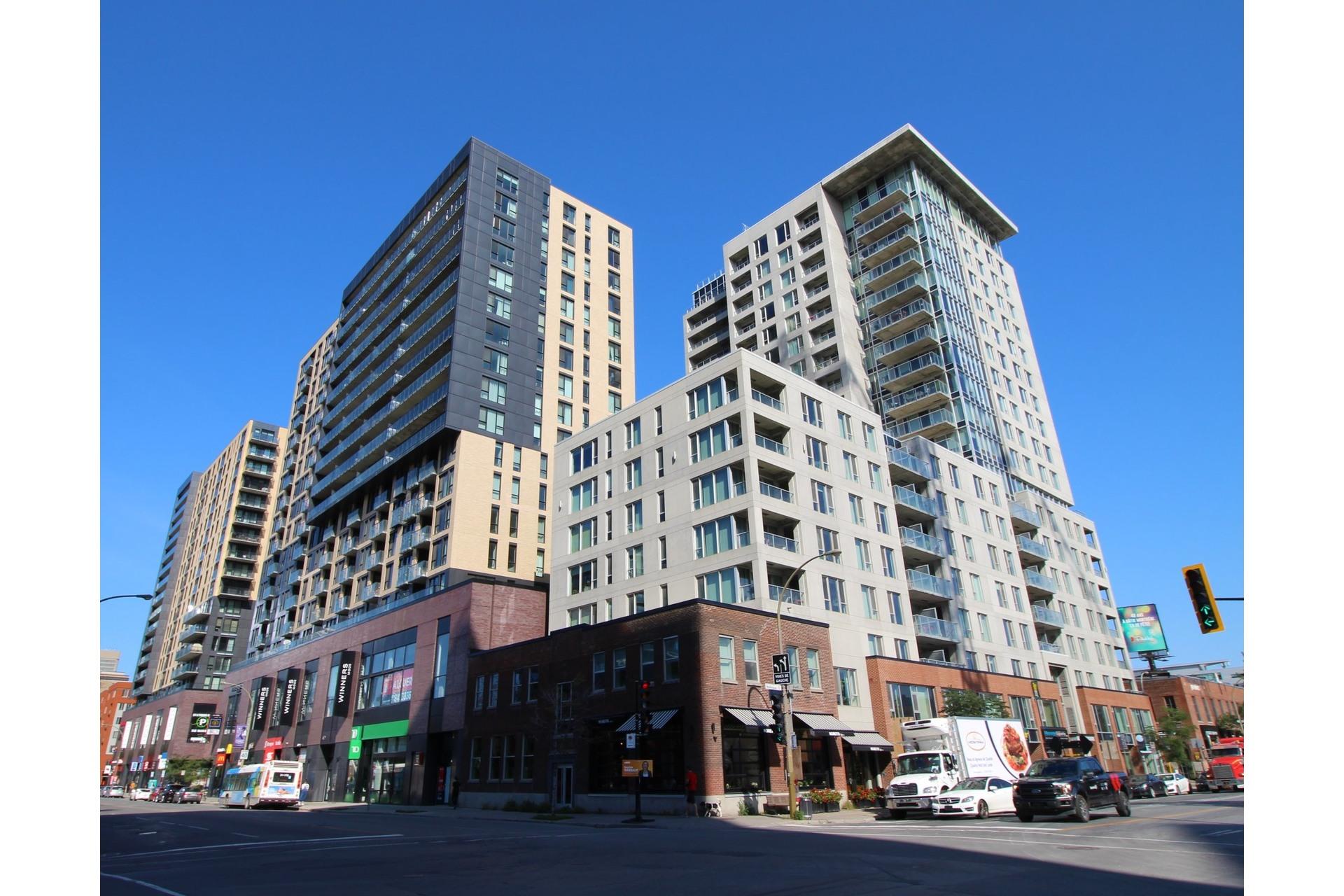 image 0 - Appartement À louer Le Sud-Ouest Montréal  - 6 pièces