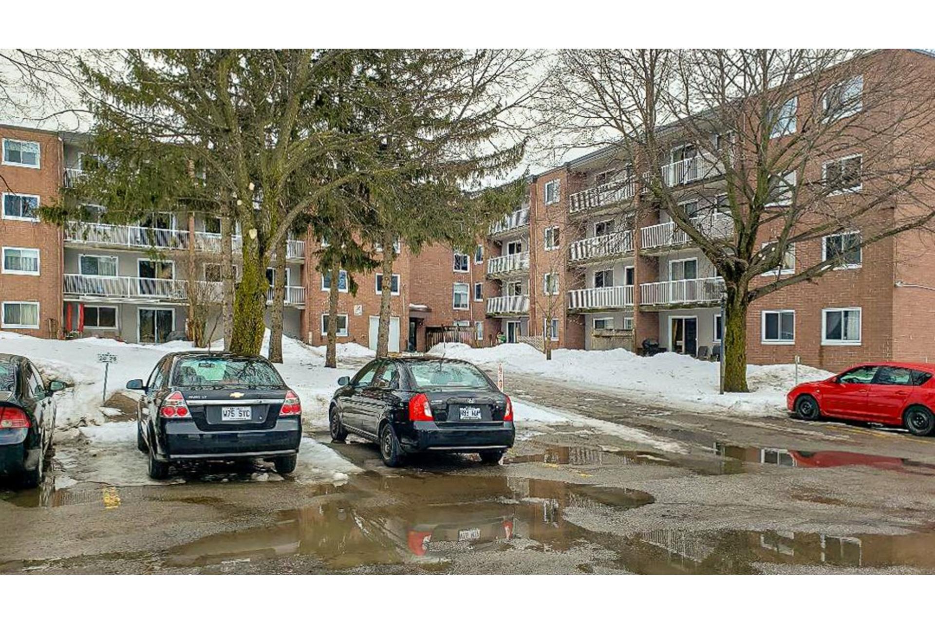 image 1 - Appartement À vendre Vaudreuil-Dorion - 4 pièces