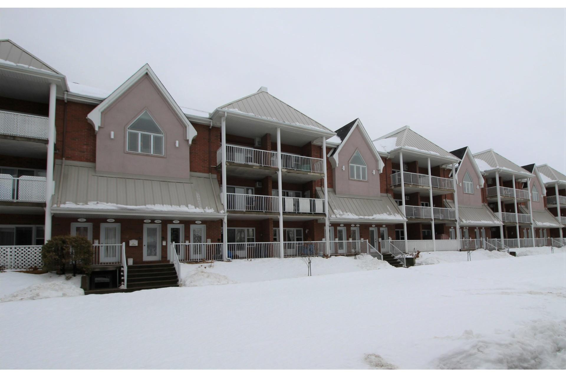 image 21 - Appartement À vendre Rivière-des-Prairies/Pointe-aux-Trembles Montréal  - 6 pièces
