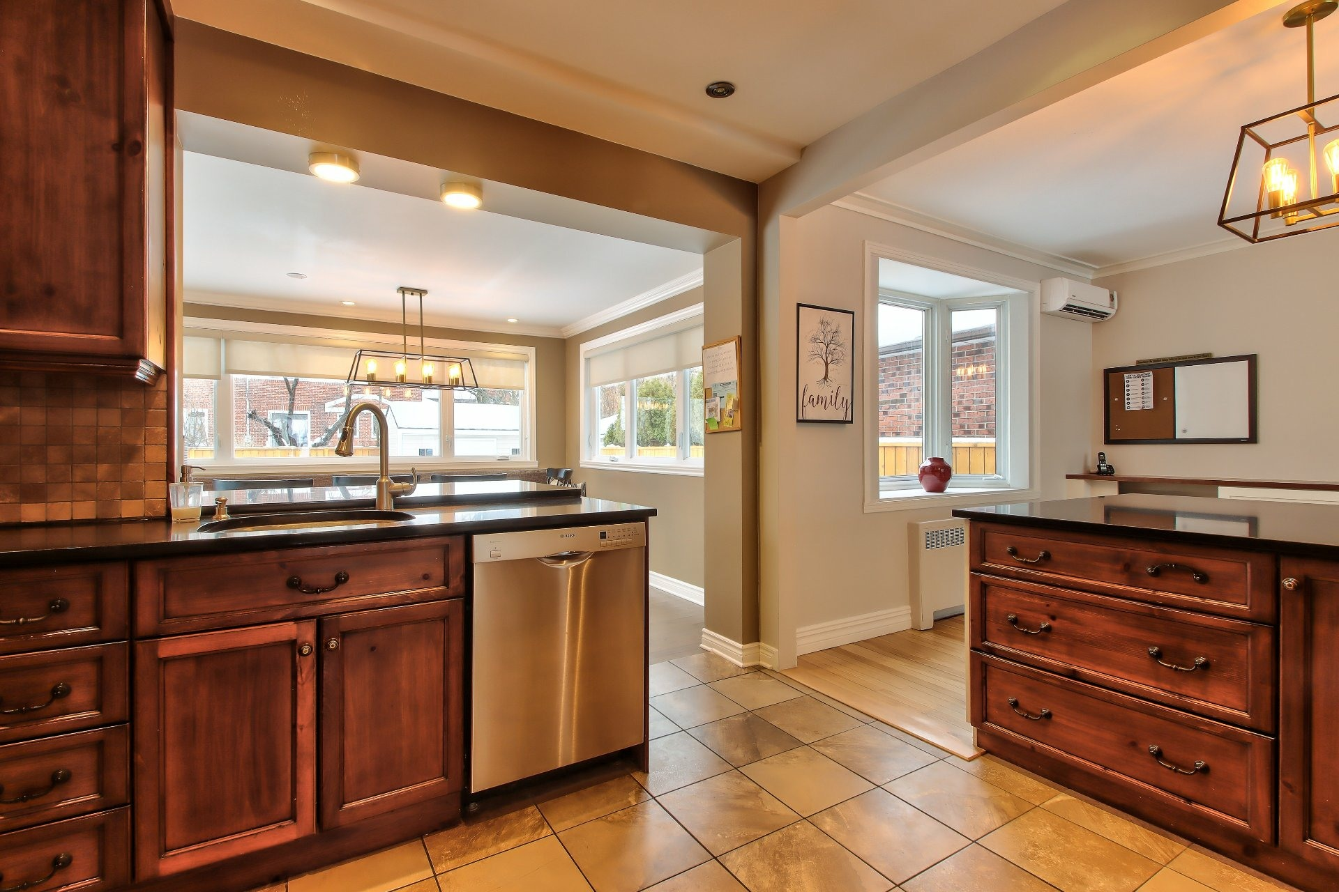image 12 - House For sale Mont-Royal - 8 rooms