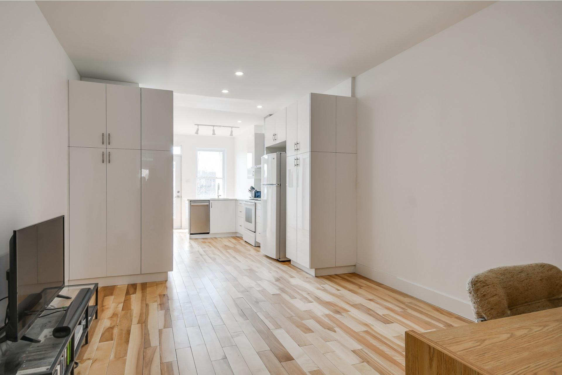 image 6 - Apartment For sale Rosemont/La Petite-Patrie Montréal  - 4 rooms