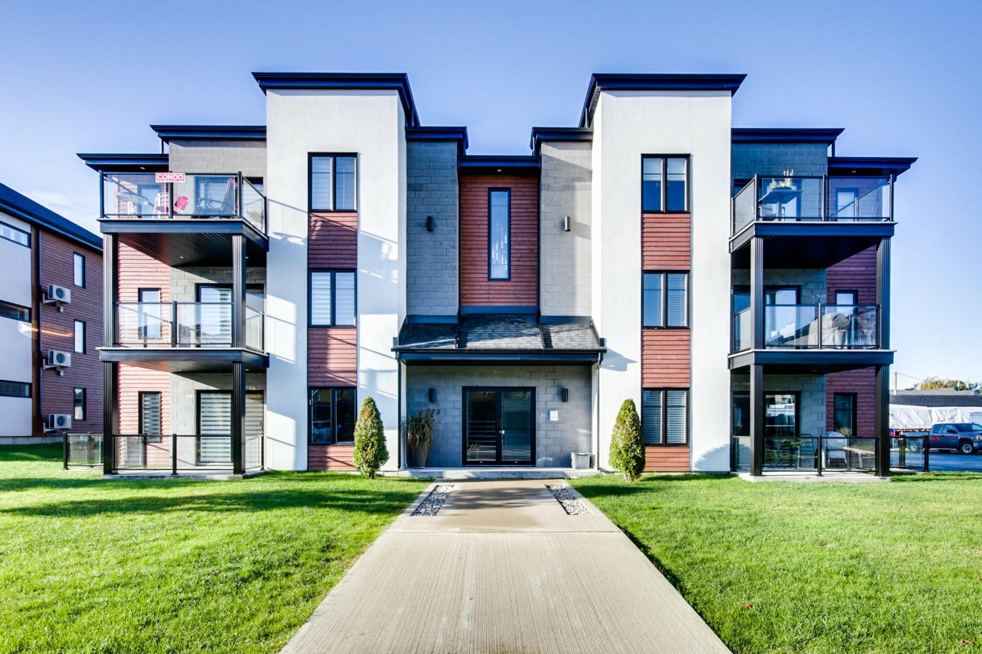image 0 - Appartement À vendre Trois-Rivières - 7 pièces