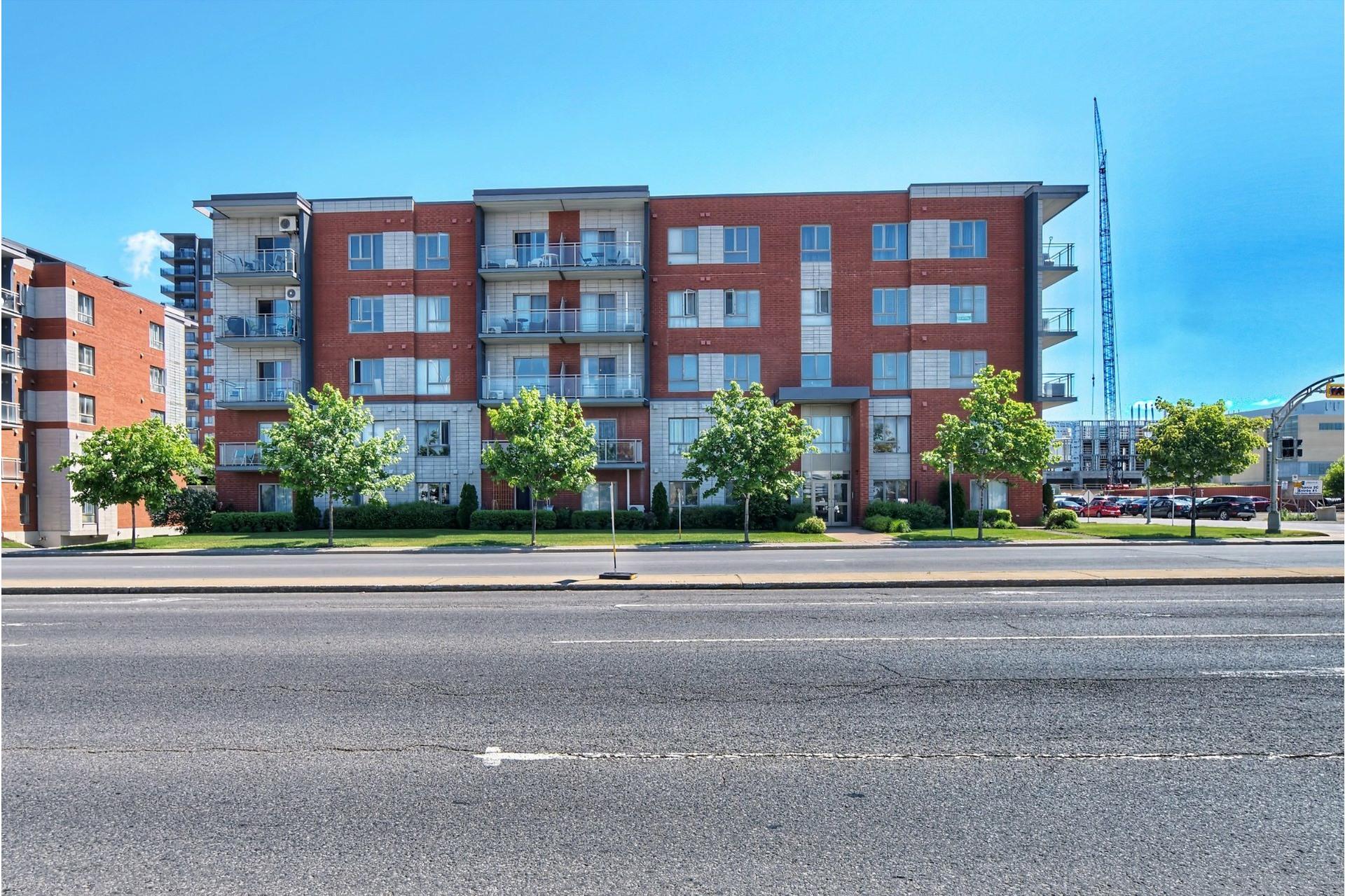 image 0 - Appartement À louer Laval-des-Rapides Laval  - 5 pièces