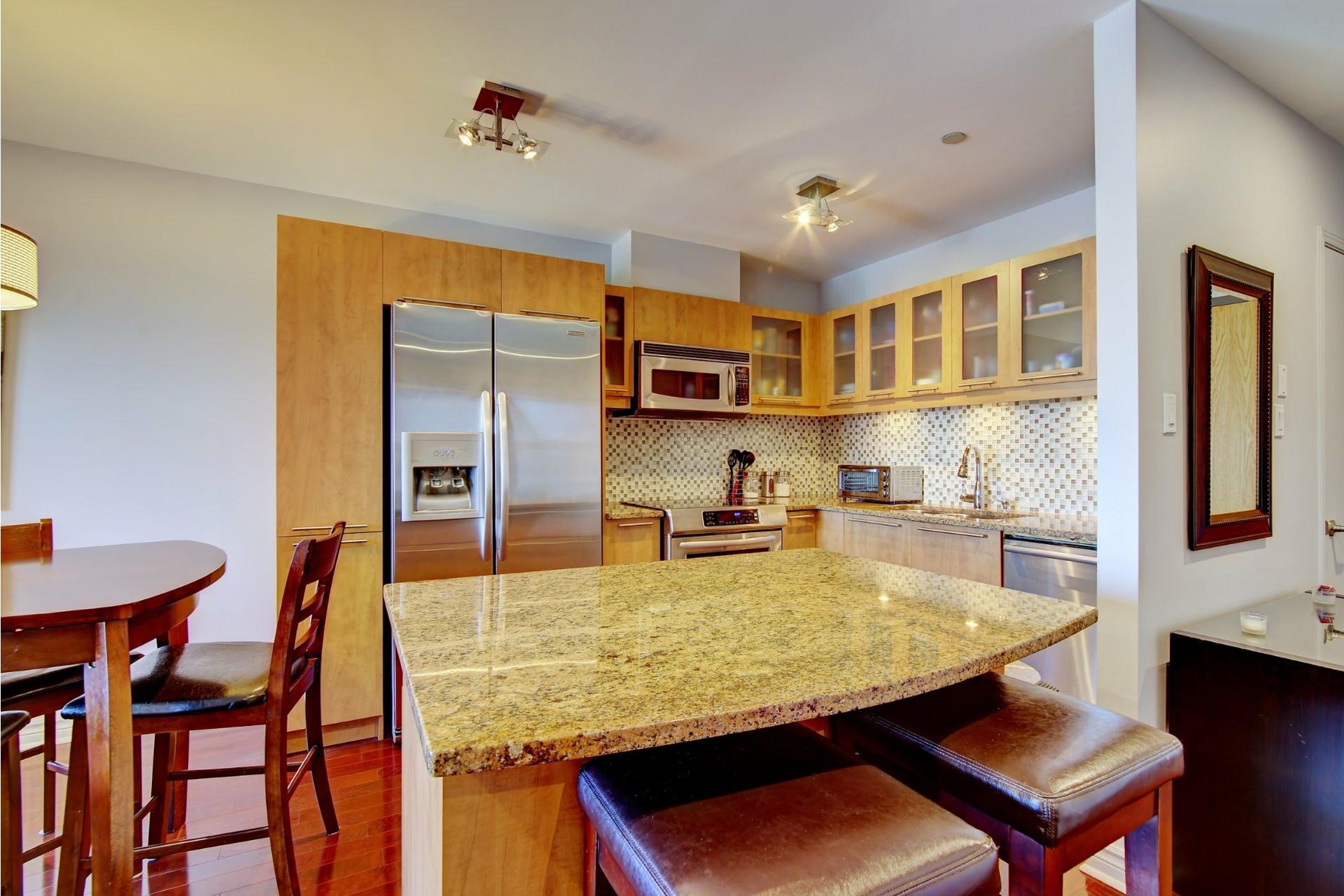 image 3 - Apartment For rent Laval-des-Rapides Laval  - 5 rooms