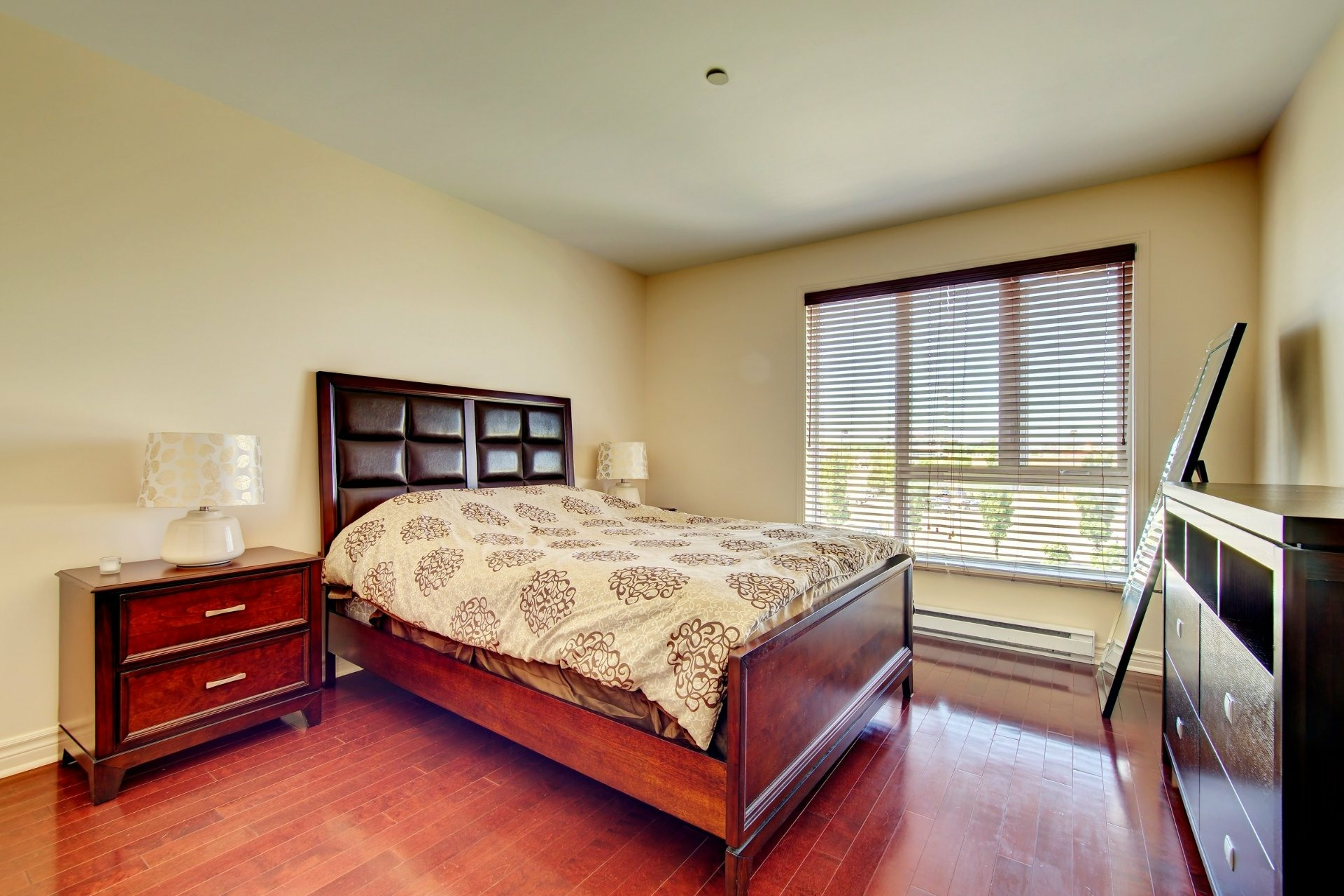 image 16 - Apartment For rent Laval-des-Rapides Laval  - 5 rooms