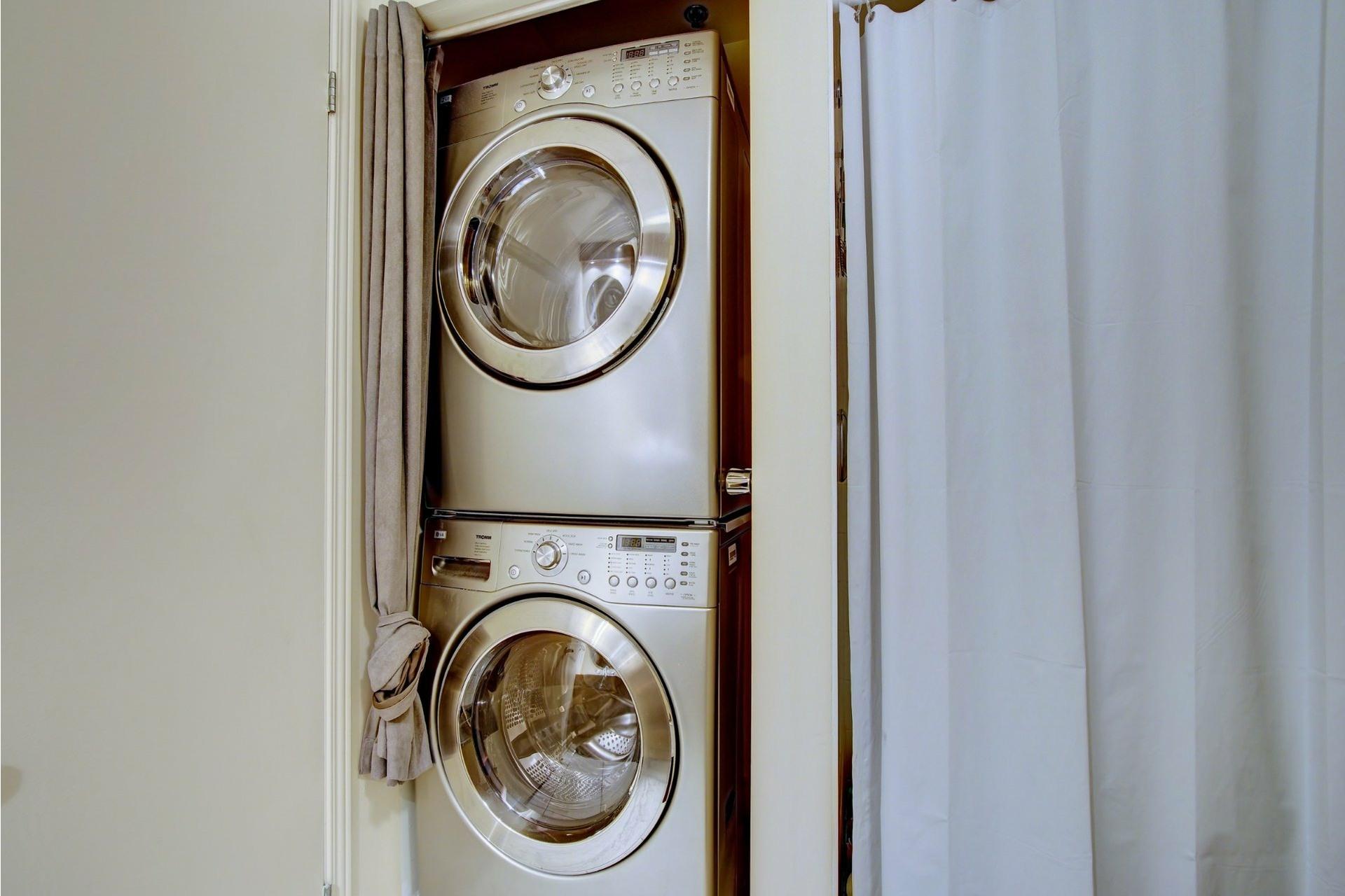 image 18 - Apartment For rent Laval-des-Rapides Laval  - 5 rooms