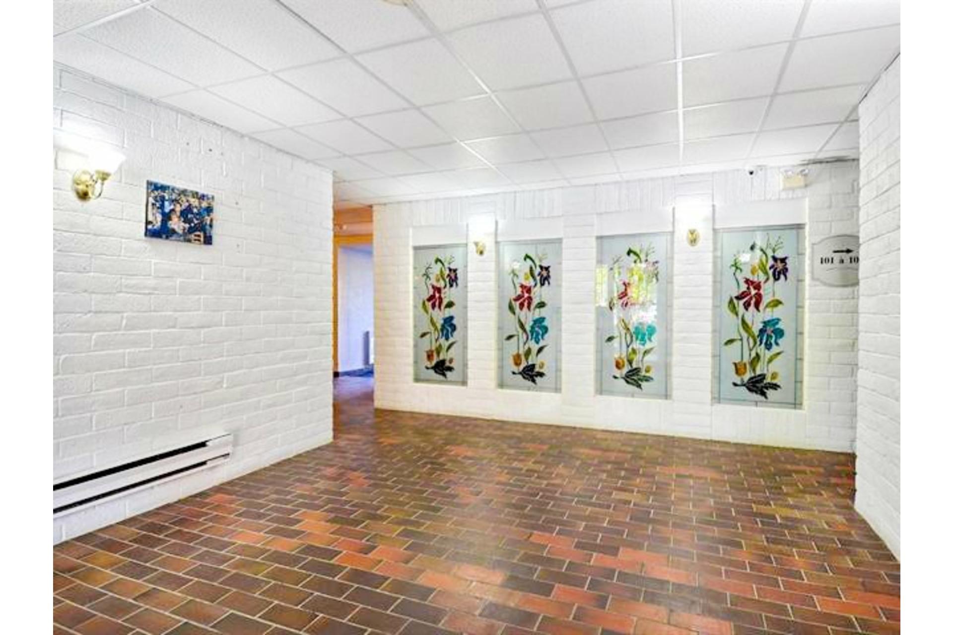 image 2 - Appartement À vendre Vaudreuil-Dorion - 4 pièces