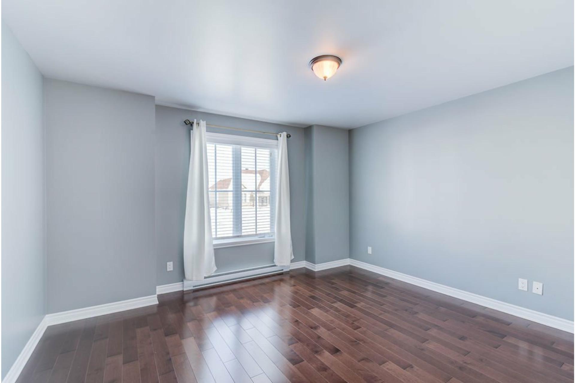 image 17 - Appartement À vendre Mirabel - 7 pièces