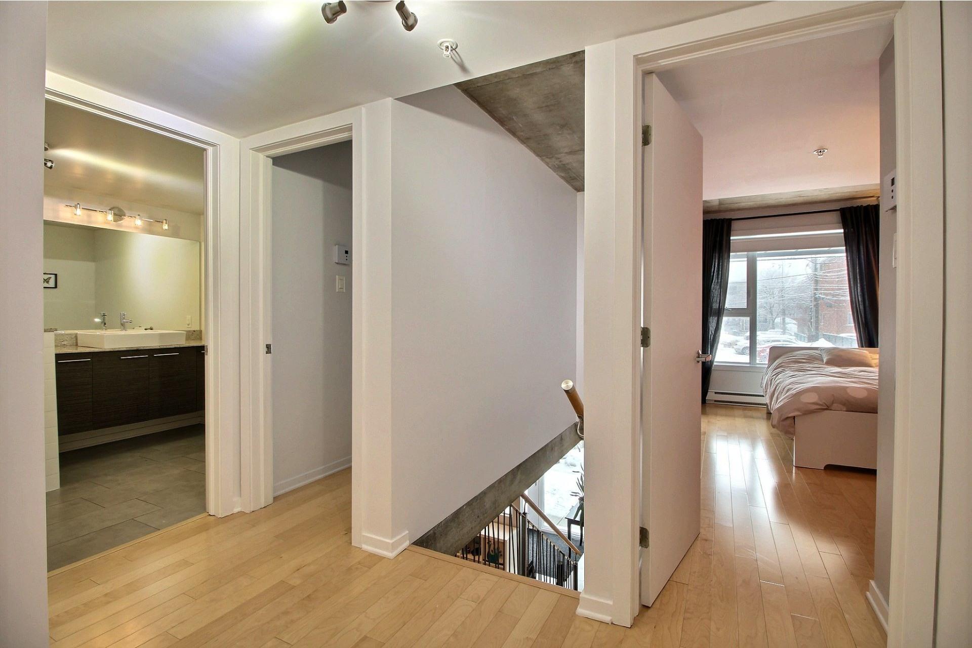 image 2 - Apartment For sale Montréal-Nord Montréal  - 5 rooms