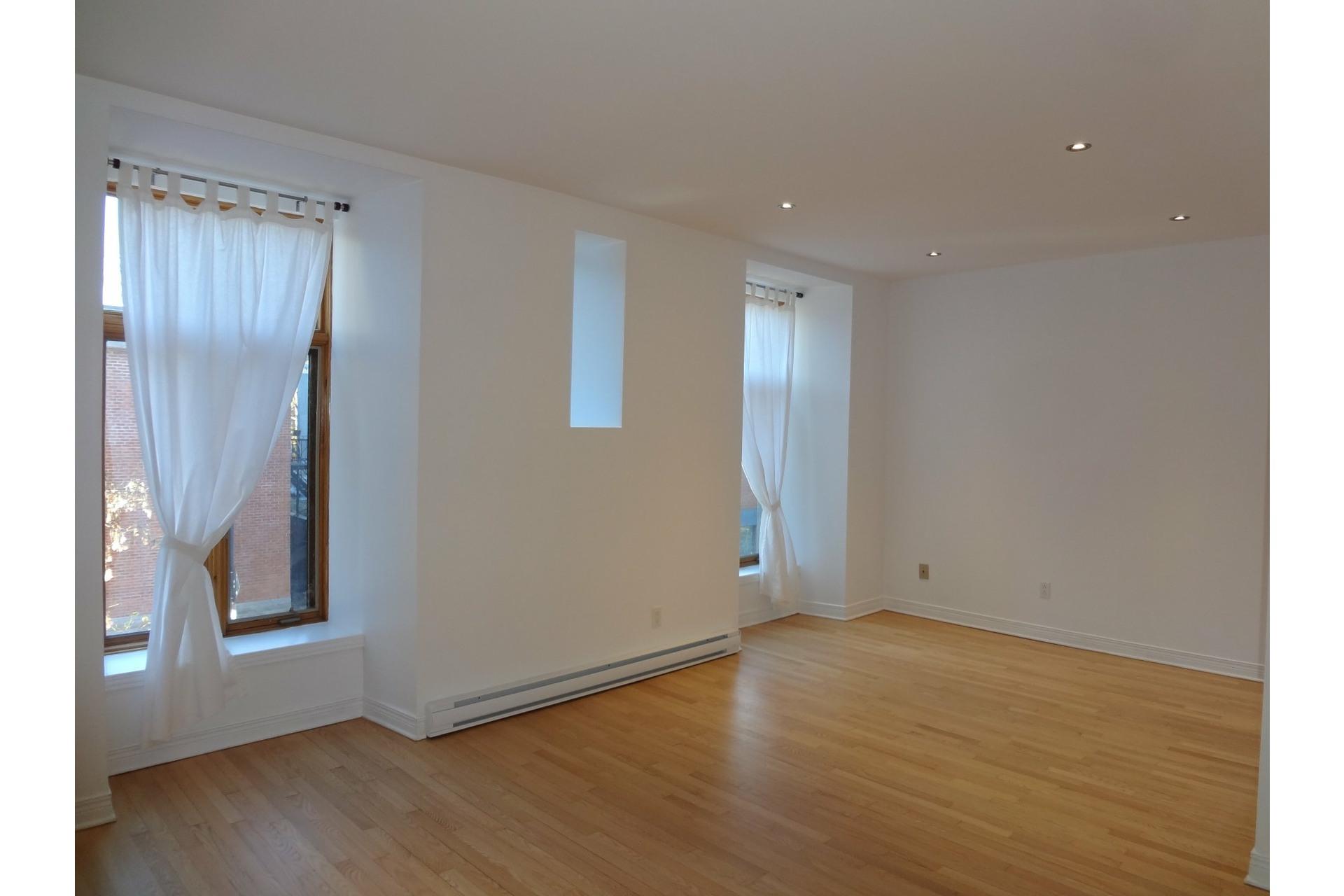 image 2 - Apartment For rent Le Plateau-Mont-Royal Montréal  - 5 rooms