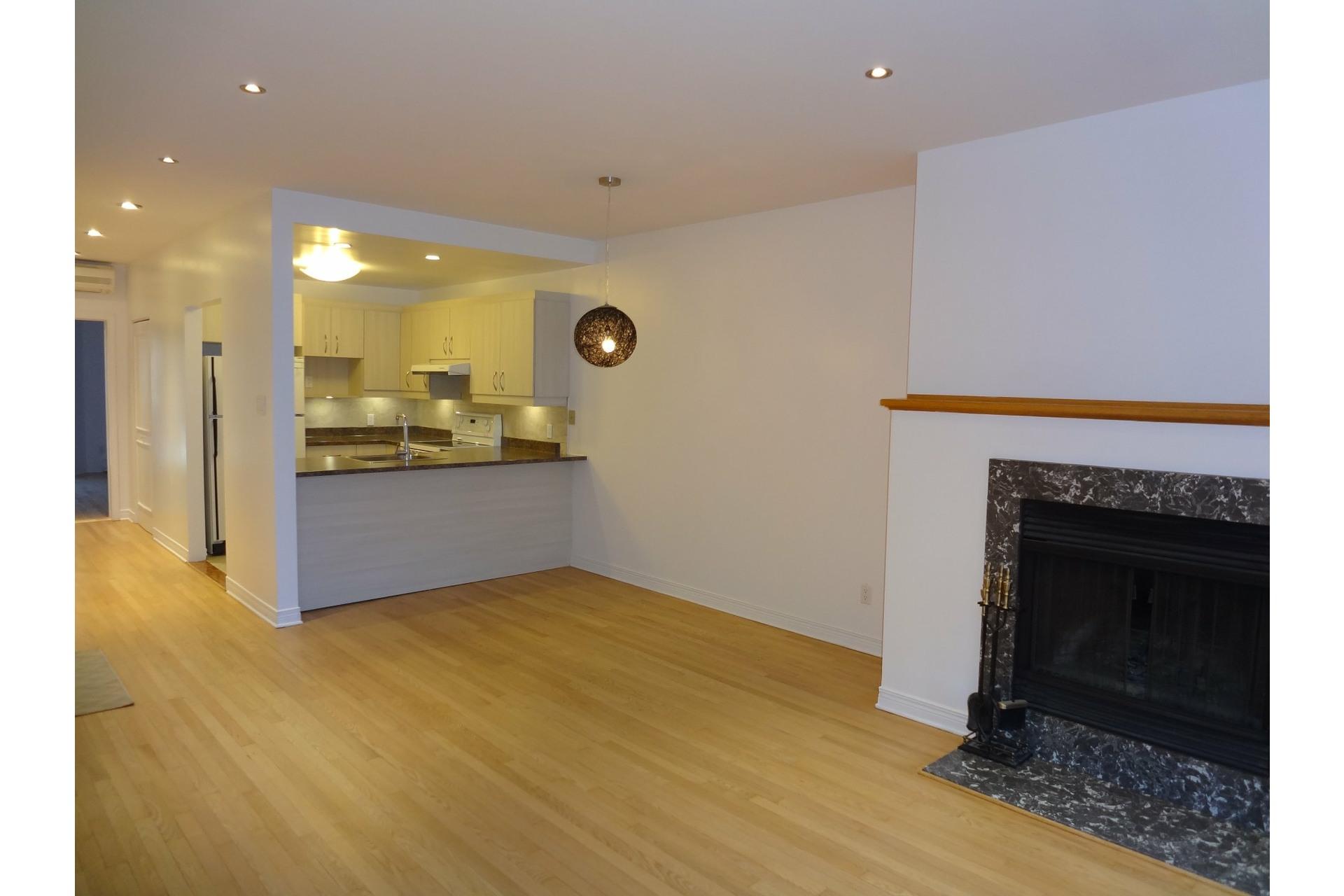 image 3 - Apartment For rent Le Plateau-Mont-Royal Montréal  - 5 rooms