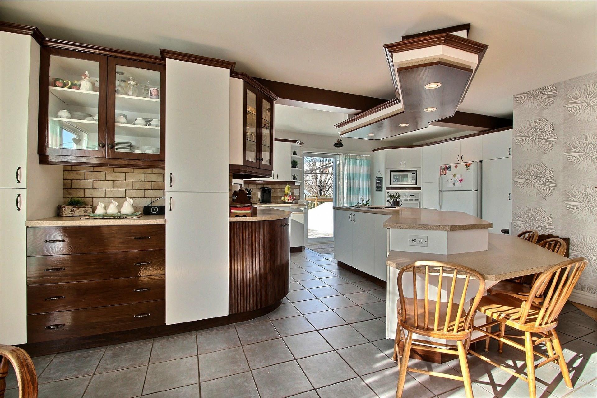 image 5 - House For sale Saint-Ambroise-de-Kildare - 13 rooms