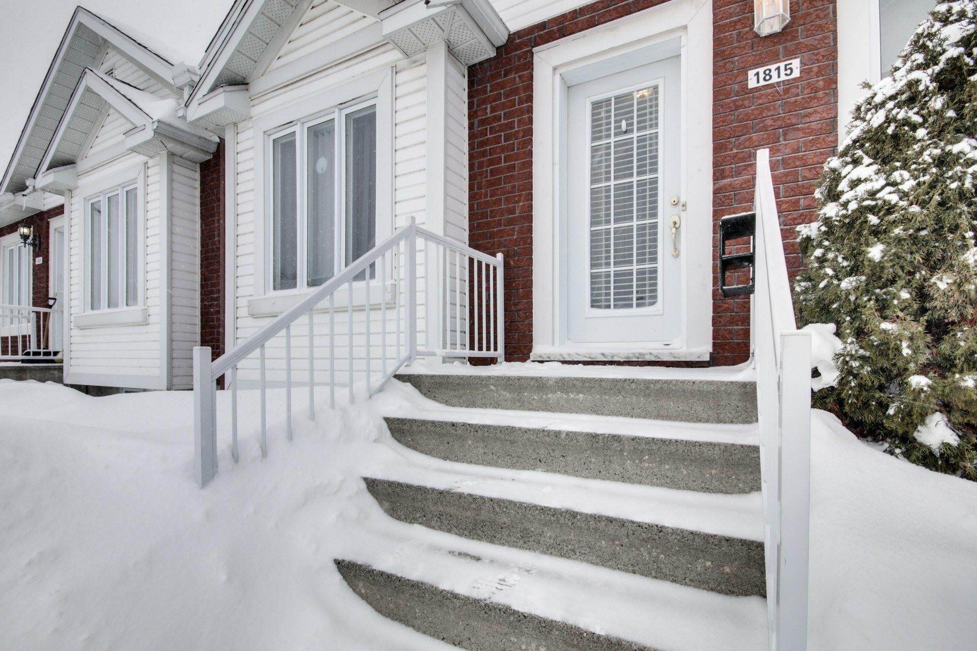 image 1 - House For sale Trois-Rivières - 10 rooms