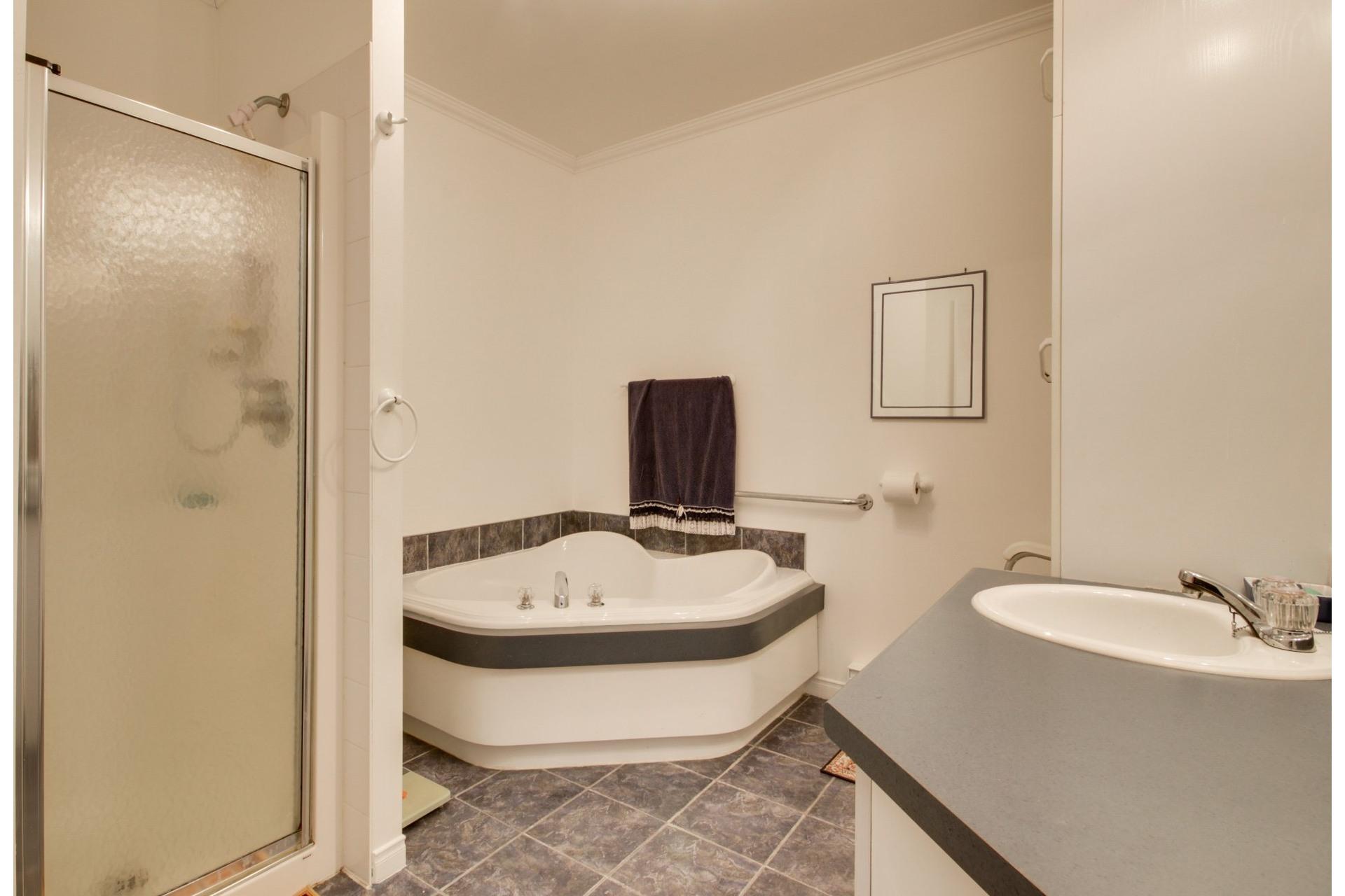 image 18 - House For sale Trois-Rivières - 10 rooms