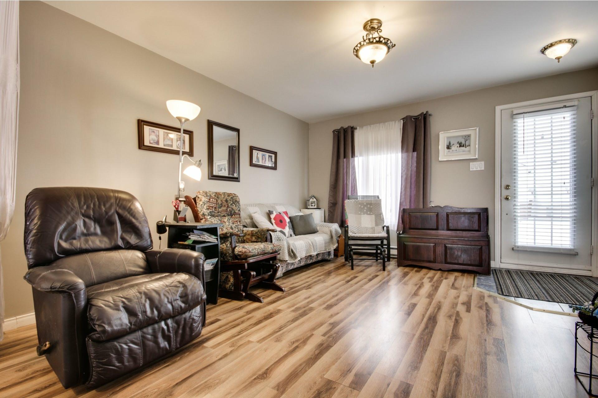 image 3 - House For sale Trois-Rivières - 10 rooms