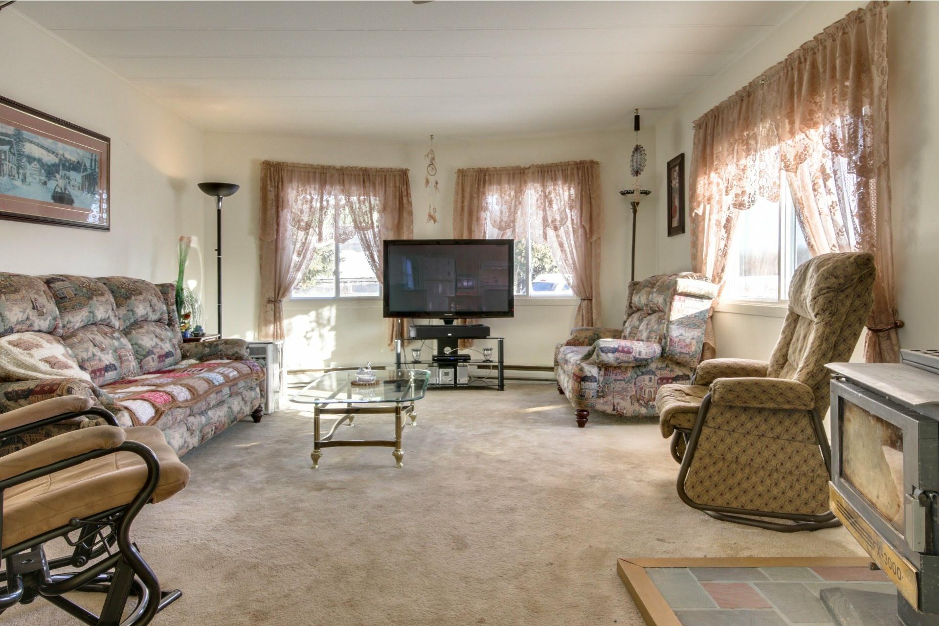 image 2 - House For sale Saint-Pierre-les-Becquets - 6 rooms