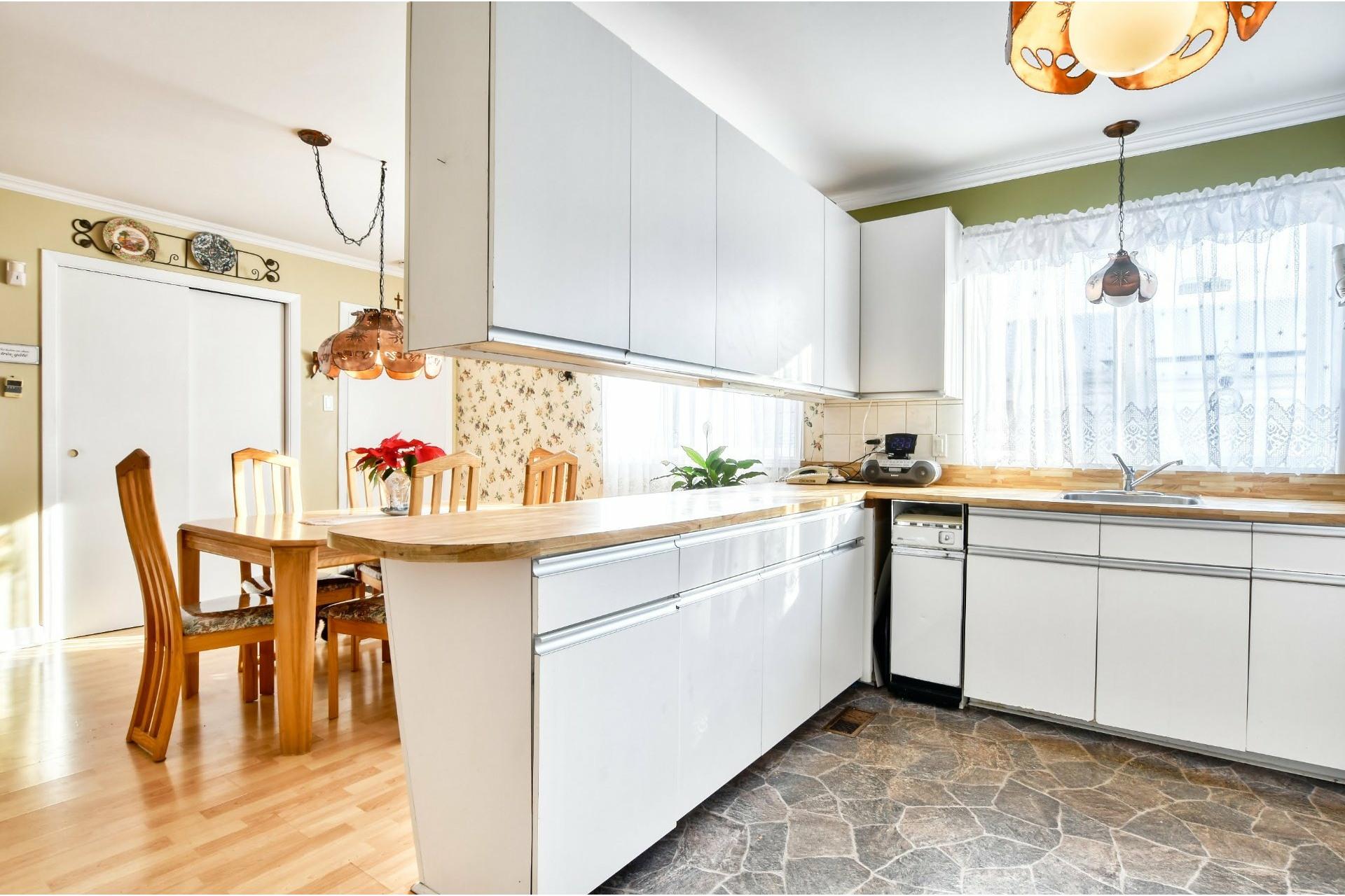 image 6 - Maison À vendre Notre-Dame-des-Prairies - 9 pièces