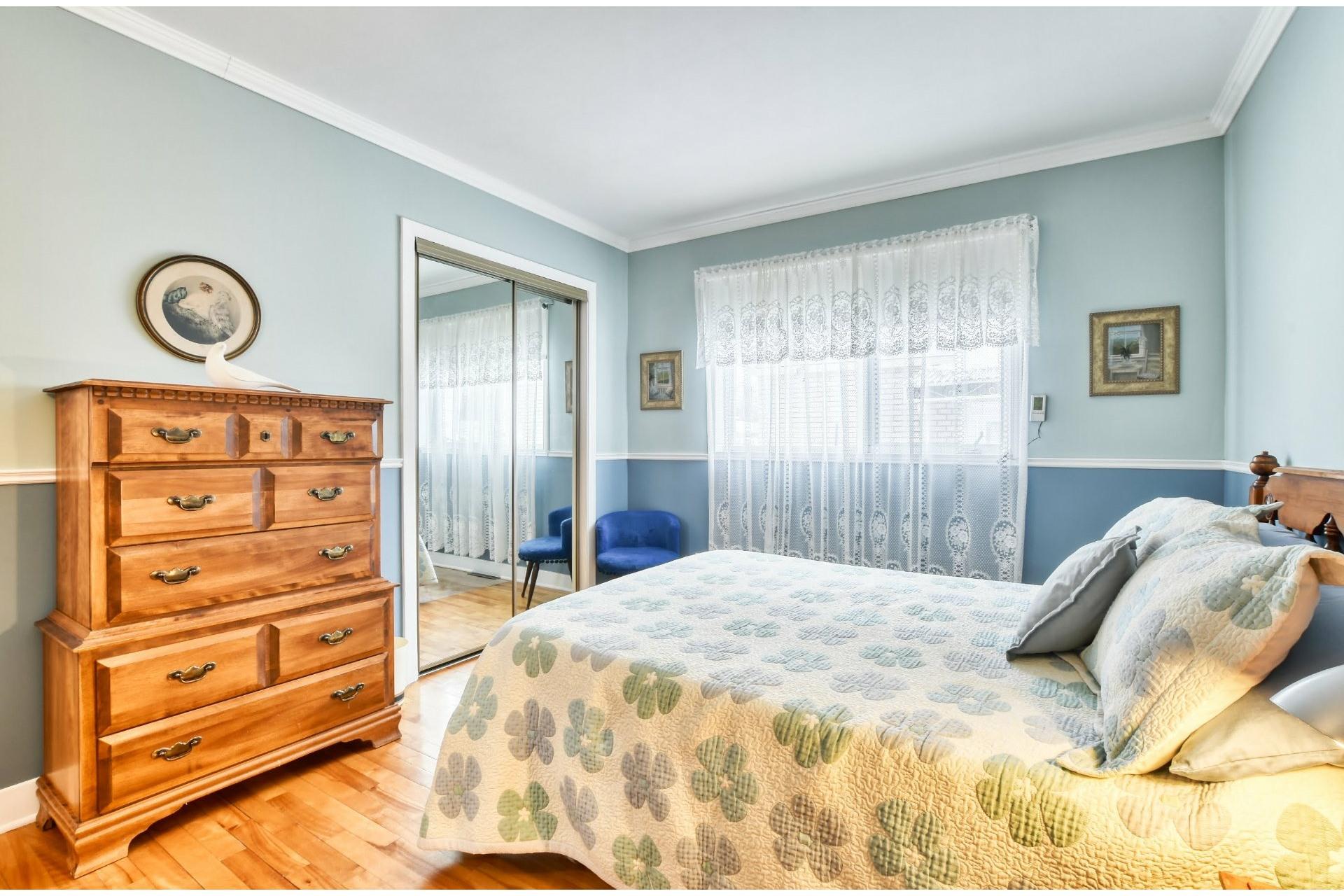 image 9 - Maison À vendre Notre-Dame-des-Prairies - 9 pièces