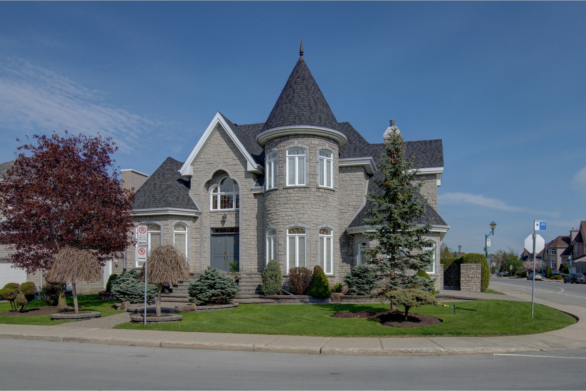 image 0 - House For sale Duvernay Laval  - 13 rooms
