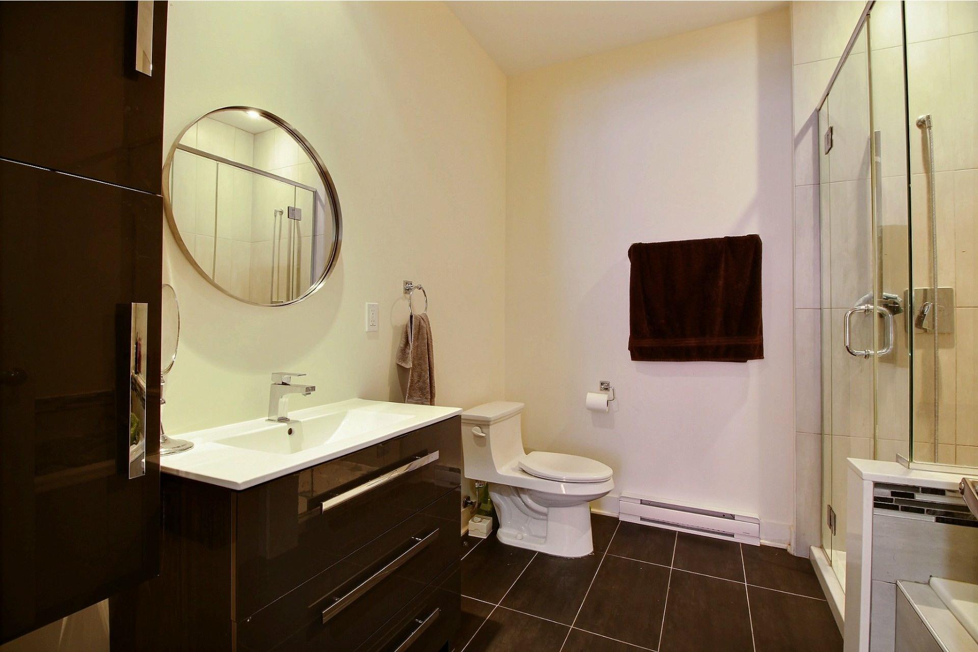 image 18 - Apartment For rent Rivière-des-Prairies/Pointe-aux-Trembles Montréal  - 6 rooms