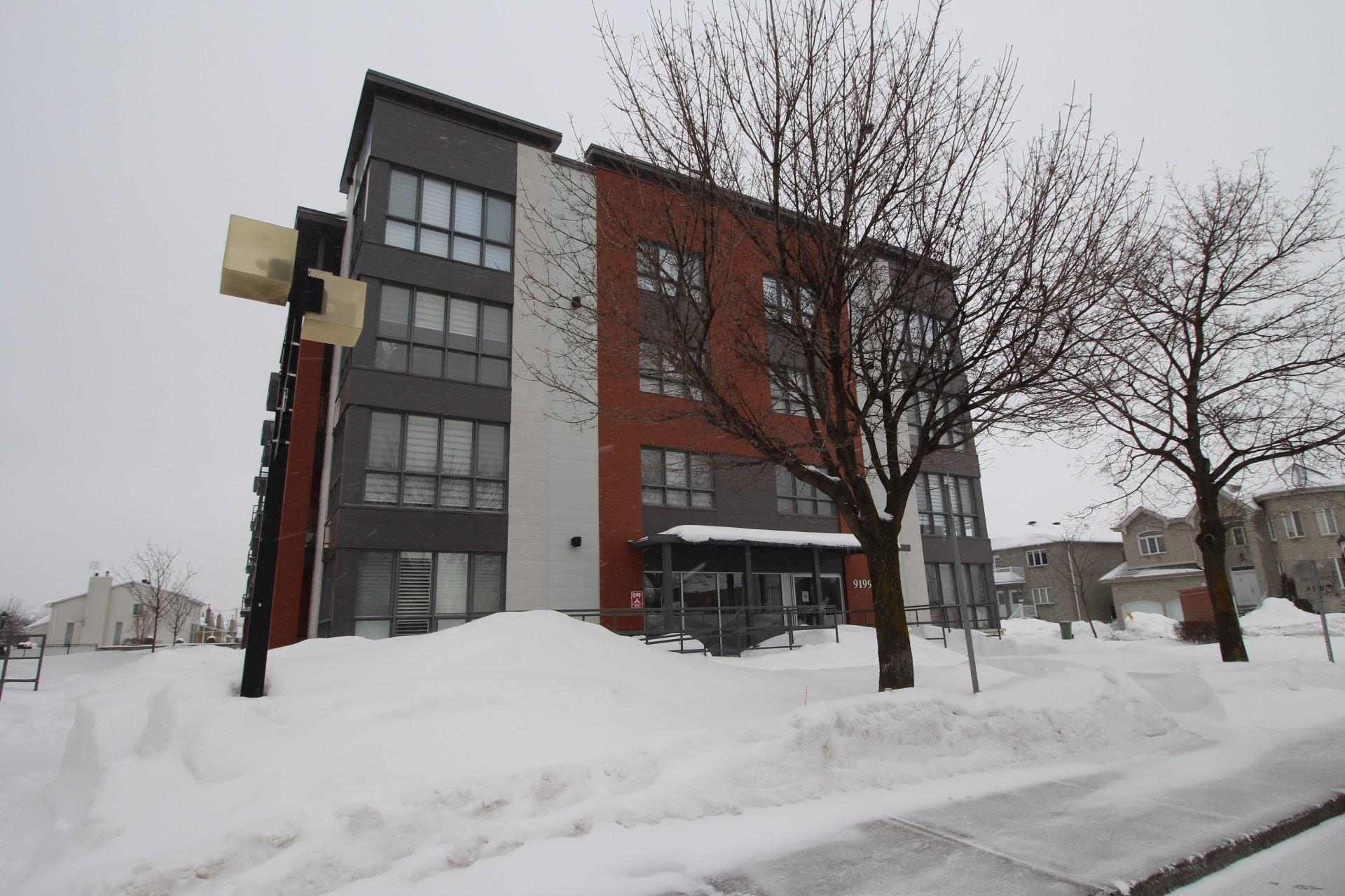 image 27 - Apartment For rent Rivière-des-Prairies/Pointe-aux-Trembles Montréal  - 6 rooms
