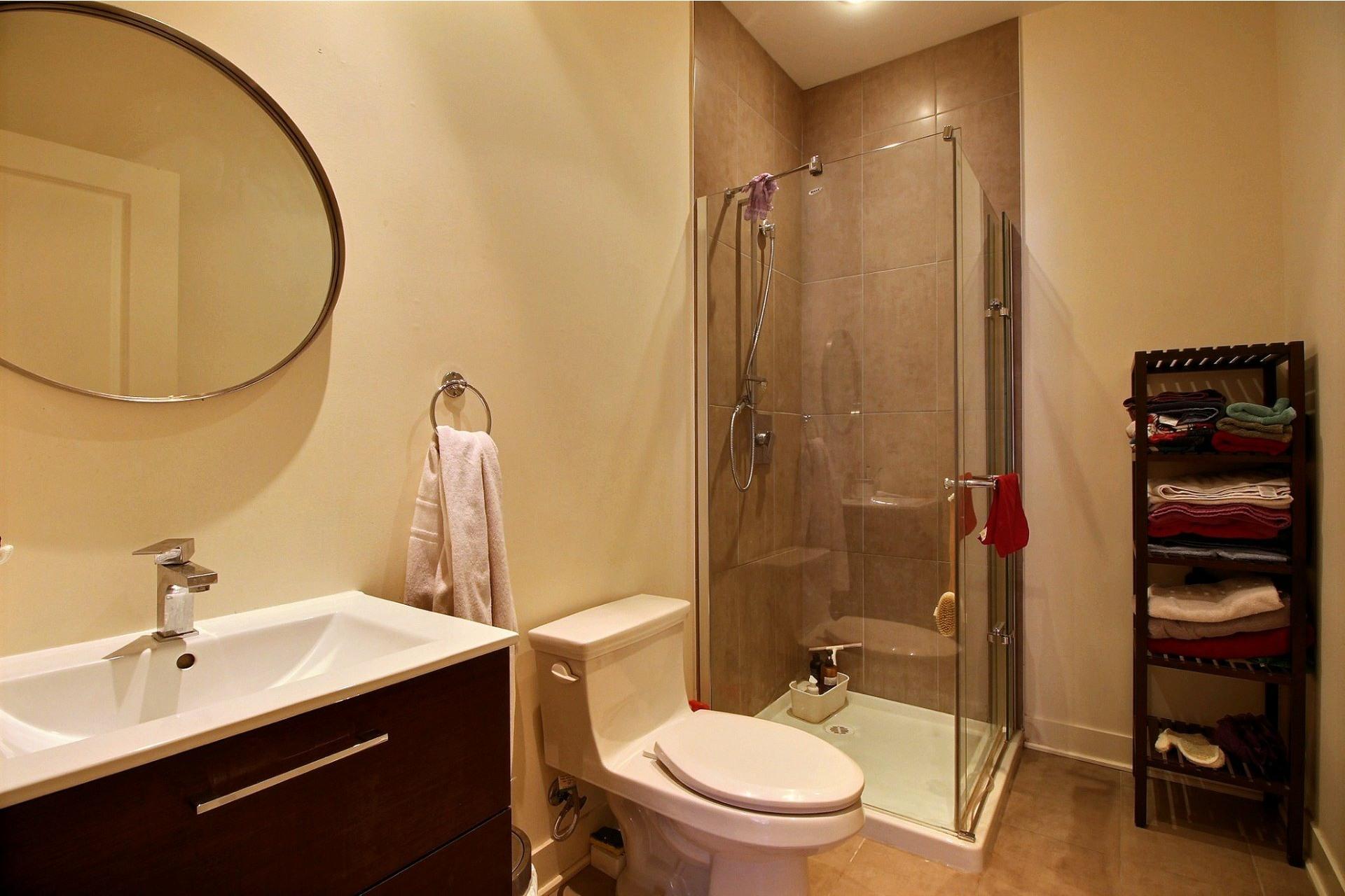 image 23 - Apartment For rent Rivière-des-Prairies/Pointe-aux-Trembles Montréal  - 6 rooms