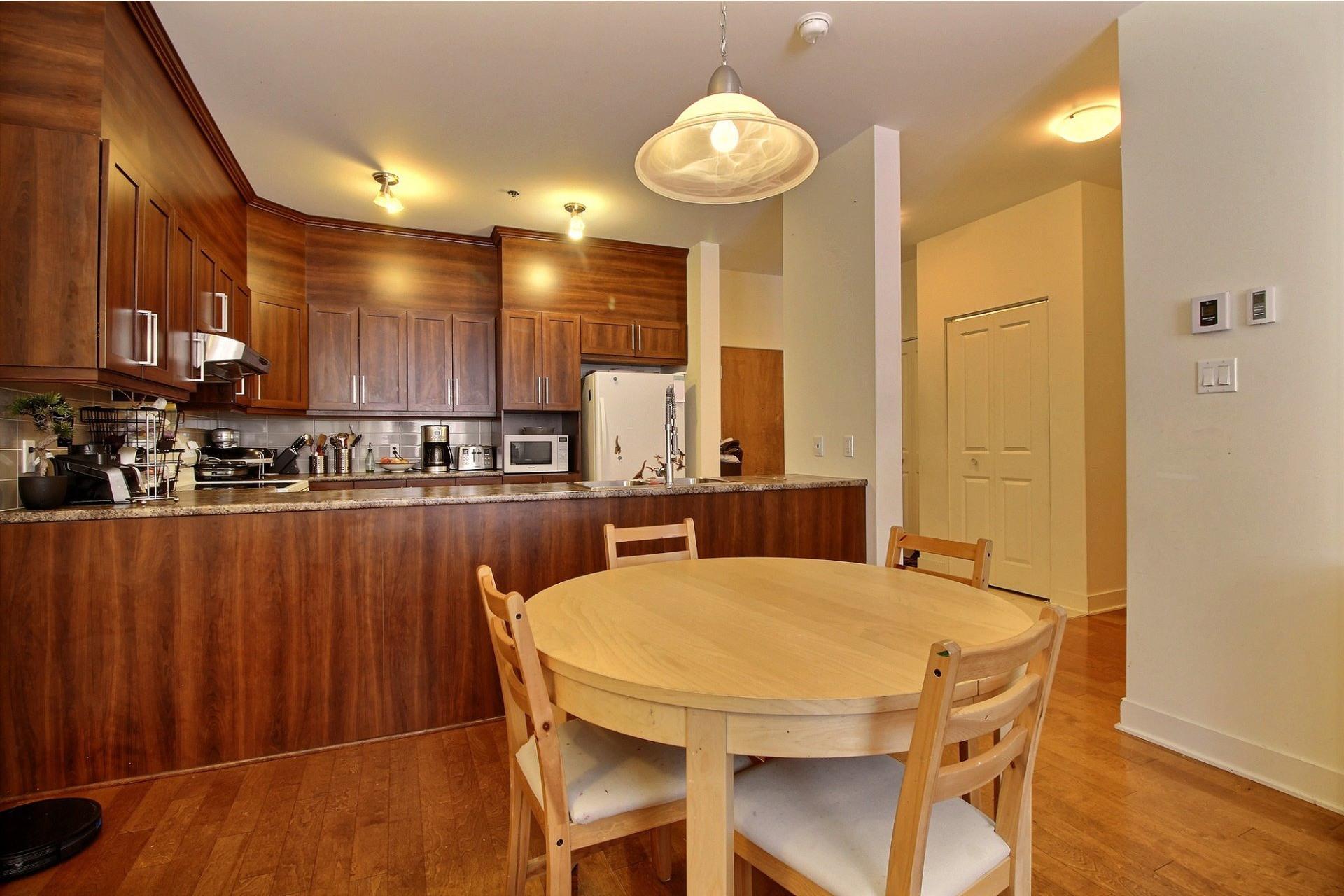 image 4 - Apartment For rent Rivière-des-Prairies/Pointe-aux-Trembles Montréal  - 6 rooms