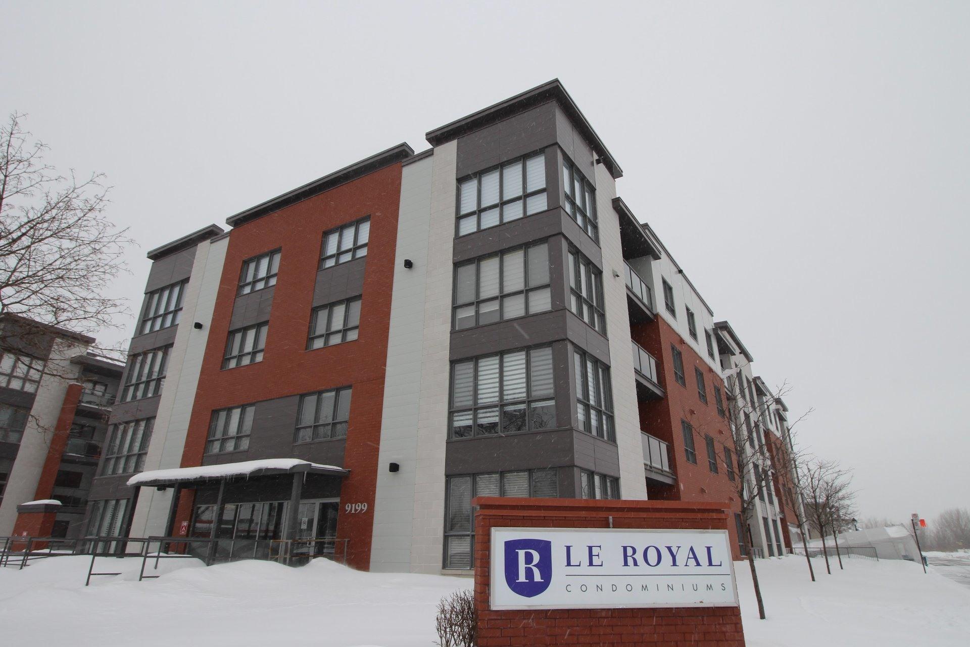image 0 - Apartment For rent Rivière-des-Prairies/Pointe-aux-Trembles Montréal  - 6 rooms