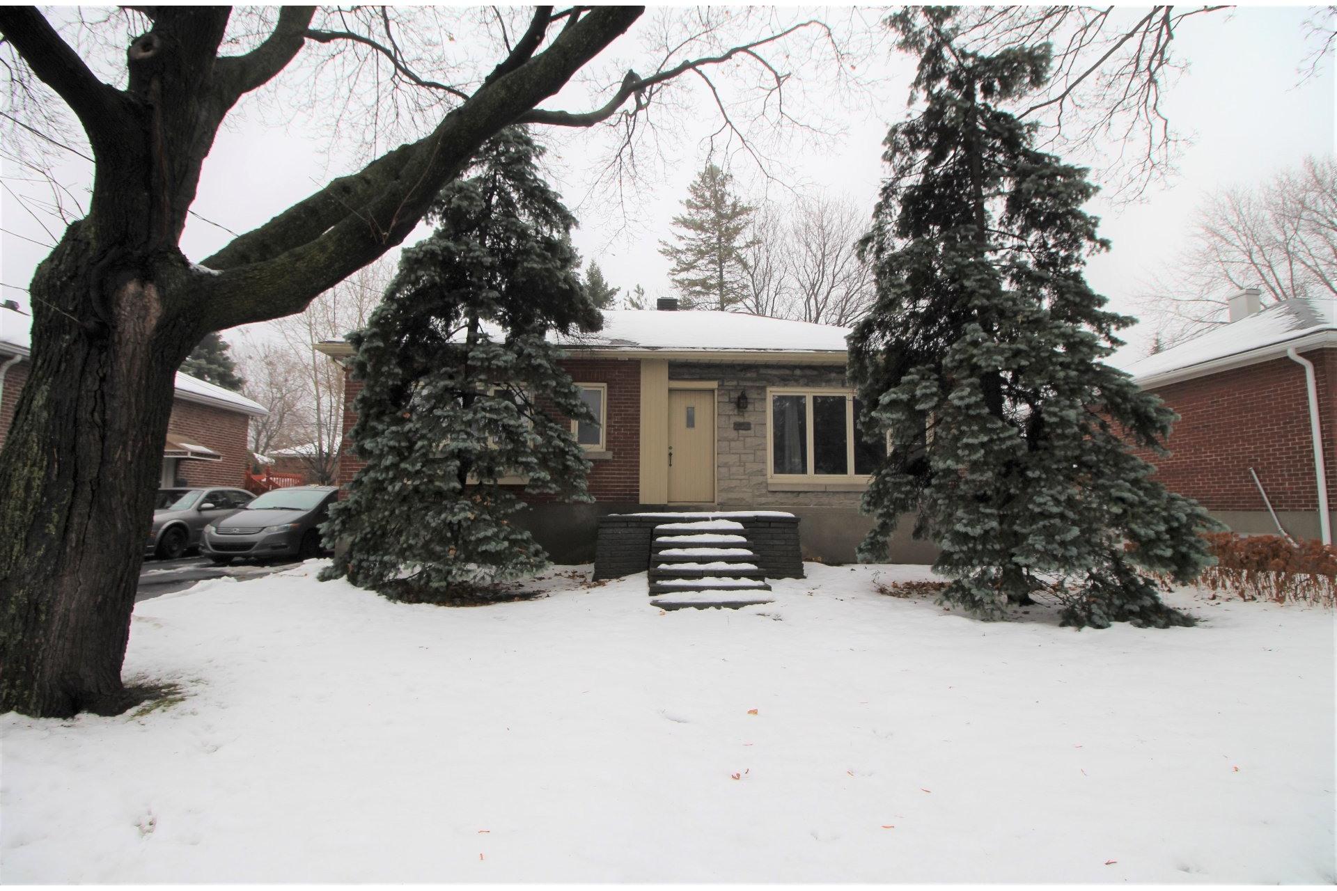 image 0 - House For sale Mercier/Hochelaga-Maisonneuve Montréal  - 9 rooms