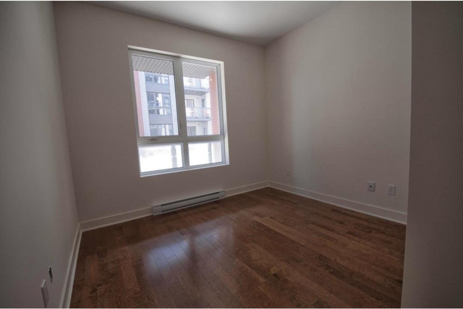 image 20 - Apartment For rent Rivière-des-Prairies/Pointe-aux-Trembles Montréal  - 6 rooms