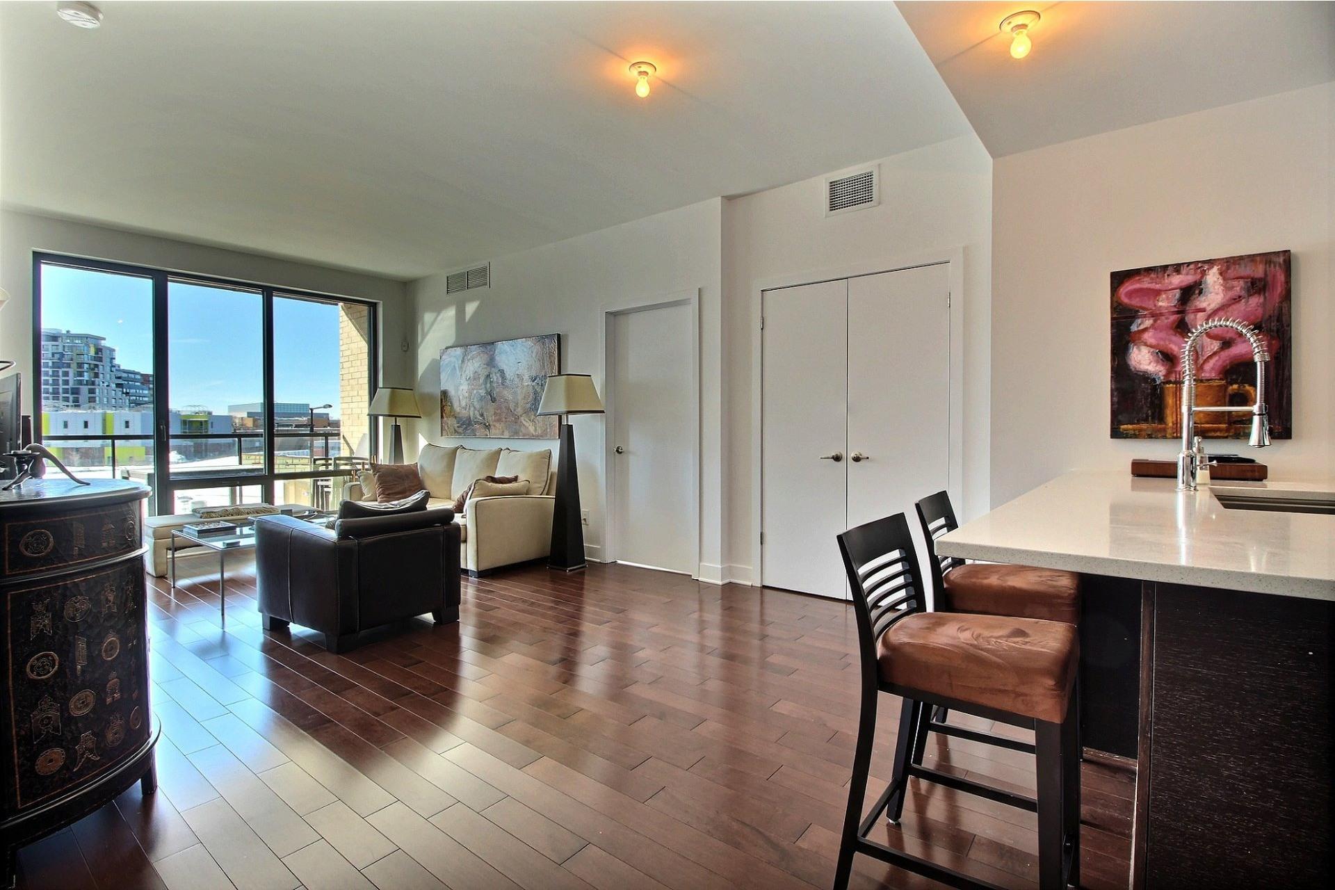 image 11 - Apartment For rent Côte-des-Neiges/Notre-Dame-de-Grâce Montréal  - 4 rooms