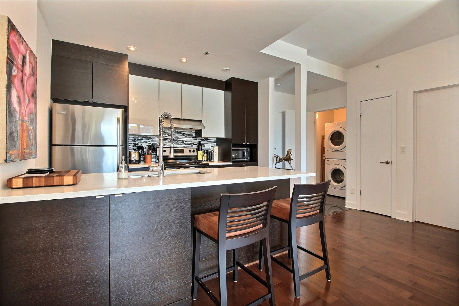 image 16 - Apartment For rent Côte-des-Neiges/Notre-Dame-de-Grâce Montréal  - 4 rooms