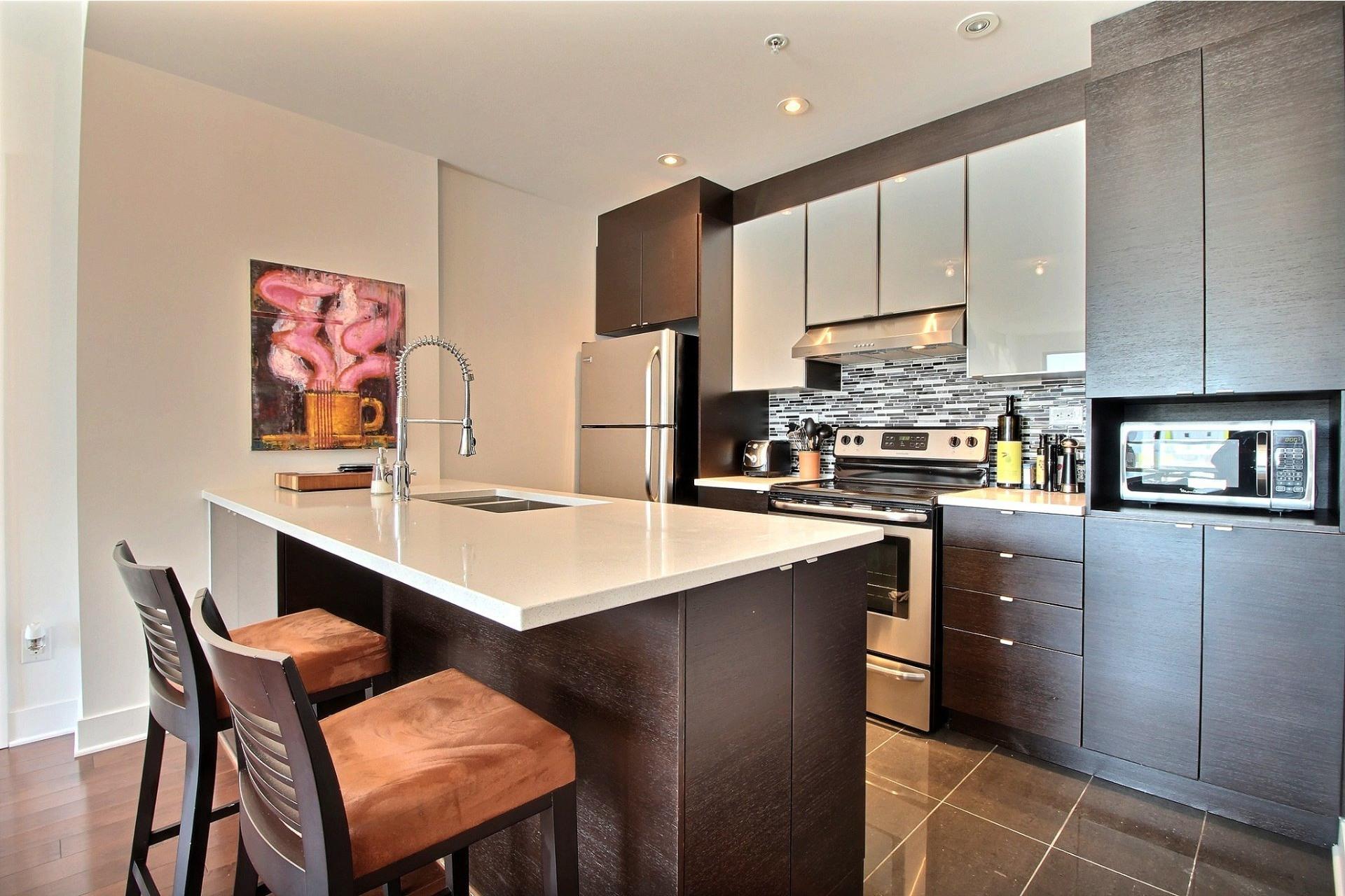 image 17 - Apartment For rent Côte-des-Neiges/Notre-Dame-de-Grâce Montréal  - 4 rooms
