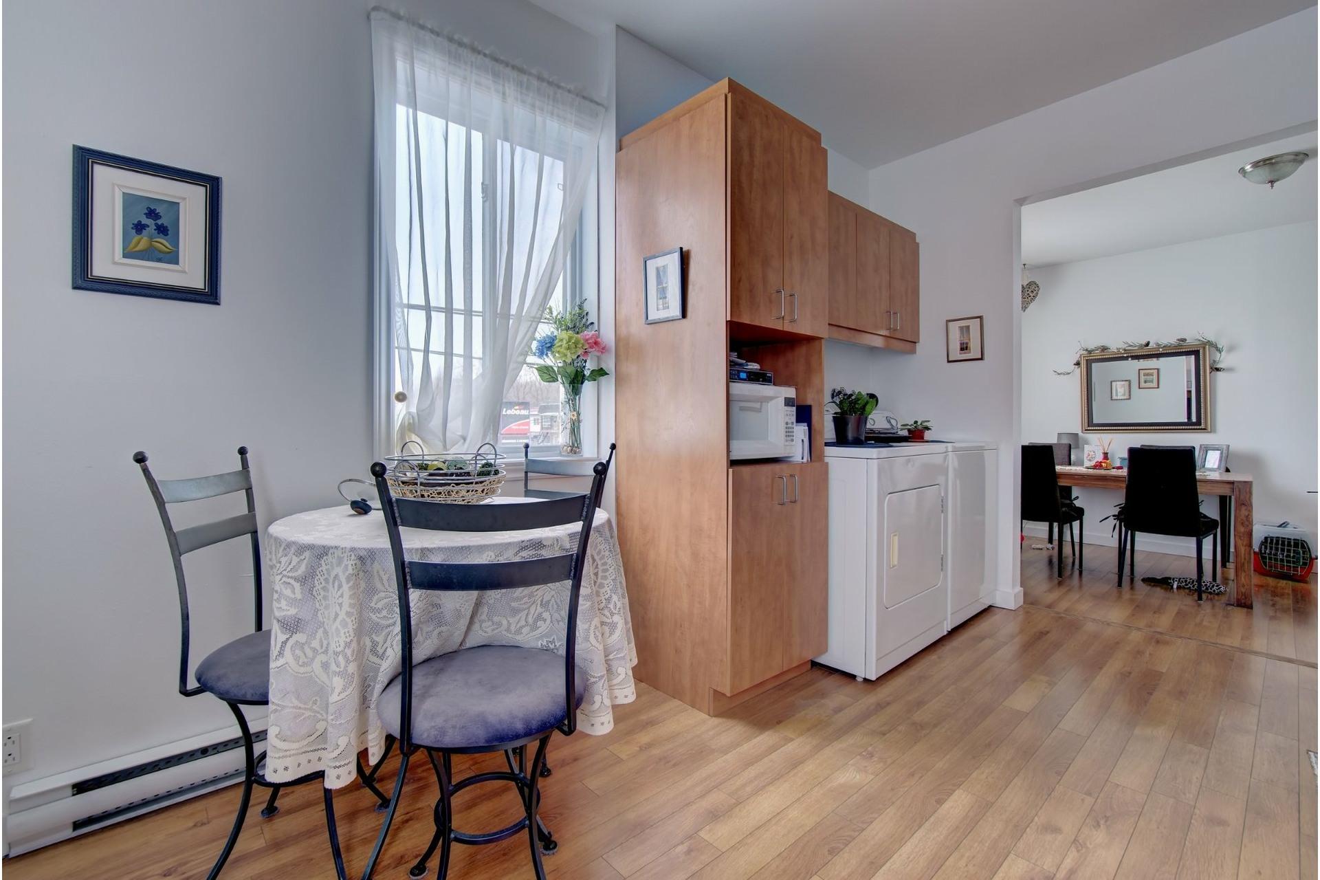 image 8 - Quadruplex For sale Rivière-des-Prairies/Pointe-aux-Trembles Montréal  - 4 rooms