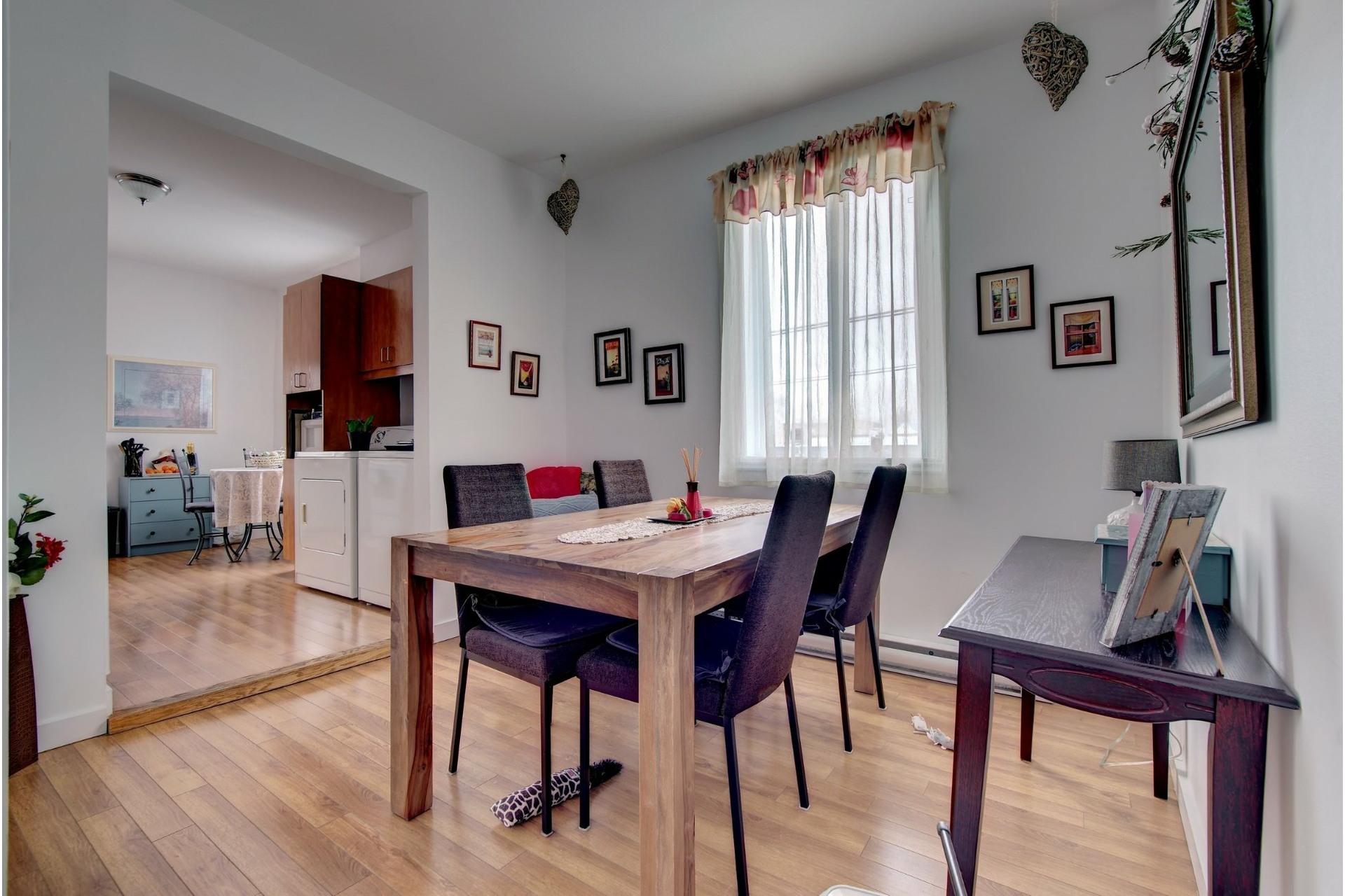 image 6 - Quadruplex For sale Rivière-des-Prairies/Pointe-aux-Trembles Montréal  - 4 rooms