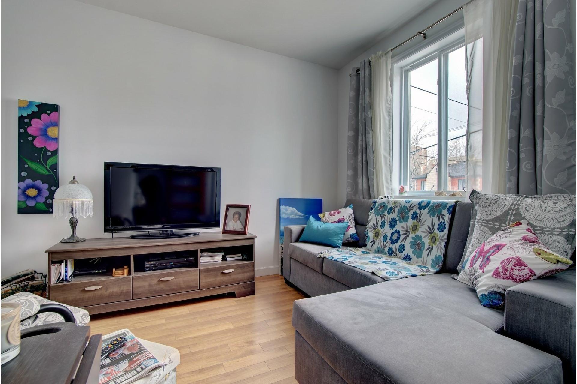 image 5 - Quadruplex For sale Rivière-des-Prairies/Pointe-aux-Trembles Montréal  - 4 rooms