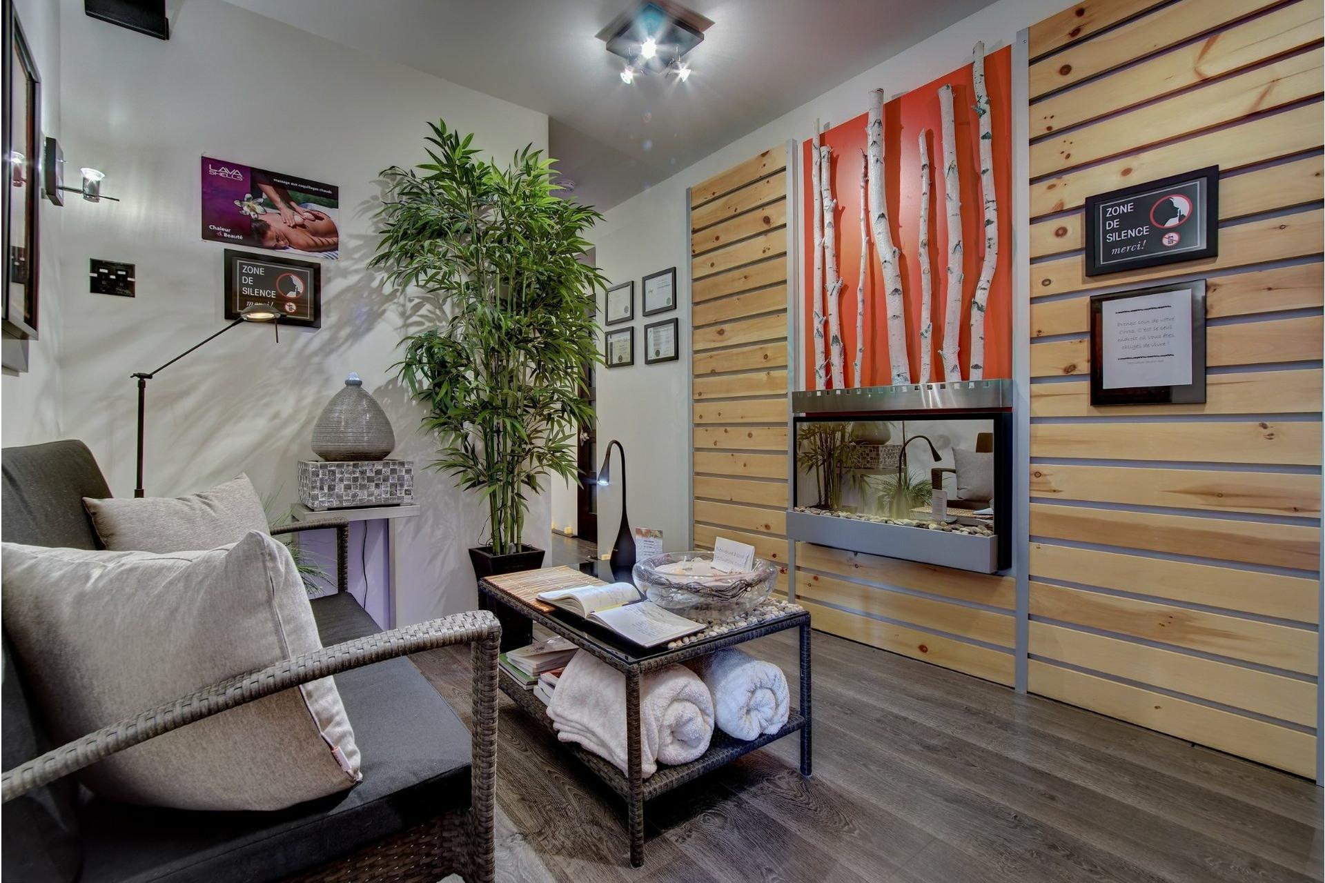 image 16 - Quadruplex For sale Rivière-des-Prairies/Pointe-aux-Trembles Montréal  - 4 rooms