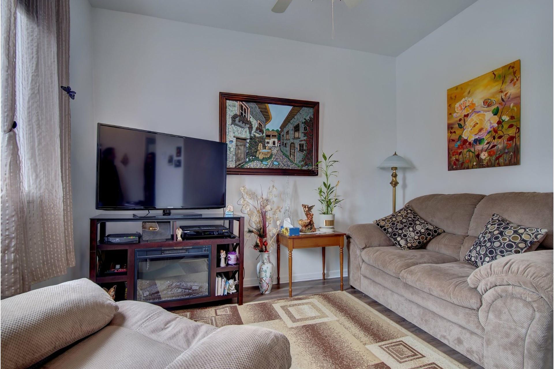 image 13 - Quadruplex For sale Rivière-des-Prairies/Pointe-aux-Trembles Montréal  - 4 rooms