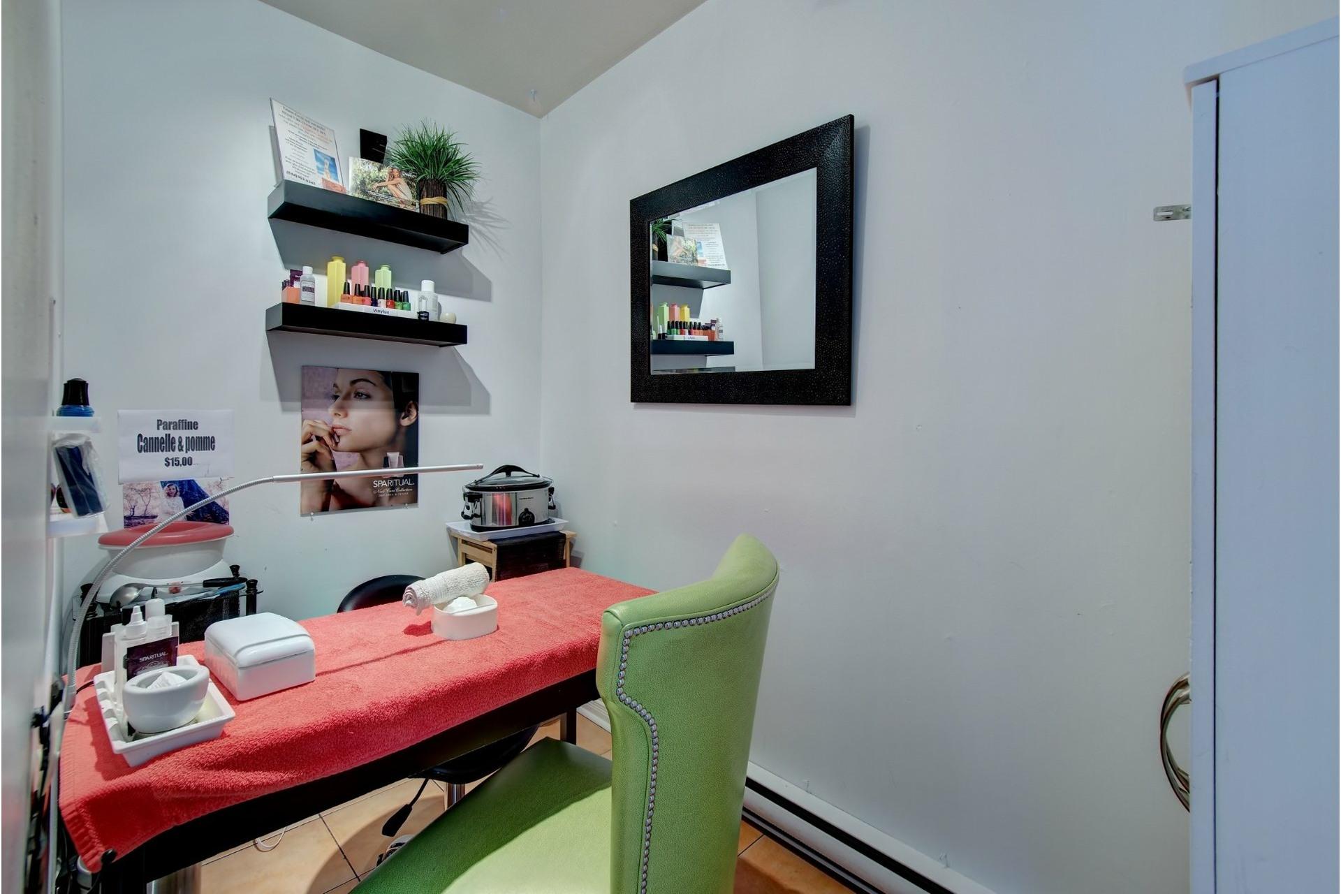 image 20 - Quadruplex For sale Rivière-des-Prairies/Pointe-aux-Trembles Montréal  - 4 rooms