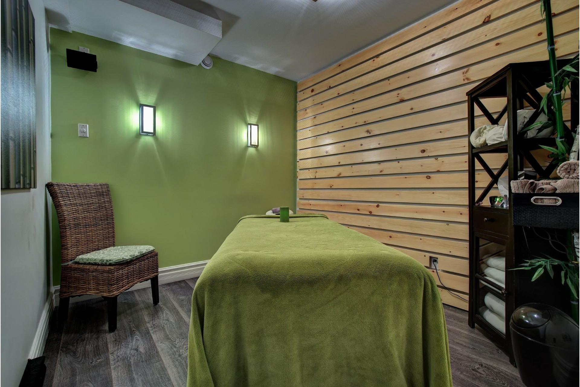 image 18 - Quadruplex For sale Rivière-des-Prairies/Pointe-aux-Trembles Montréal  - 4 rooms