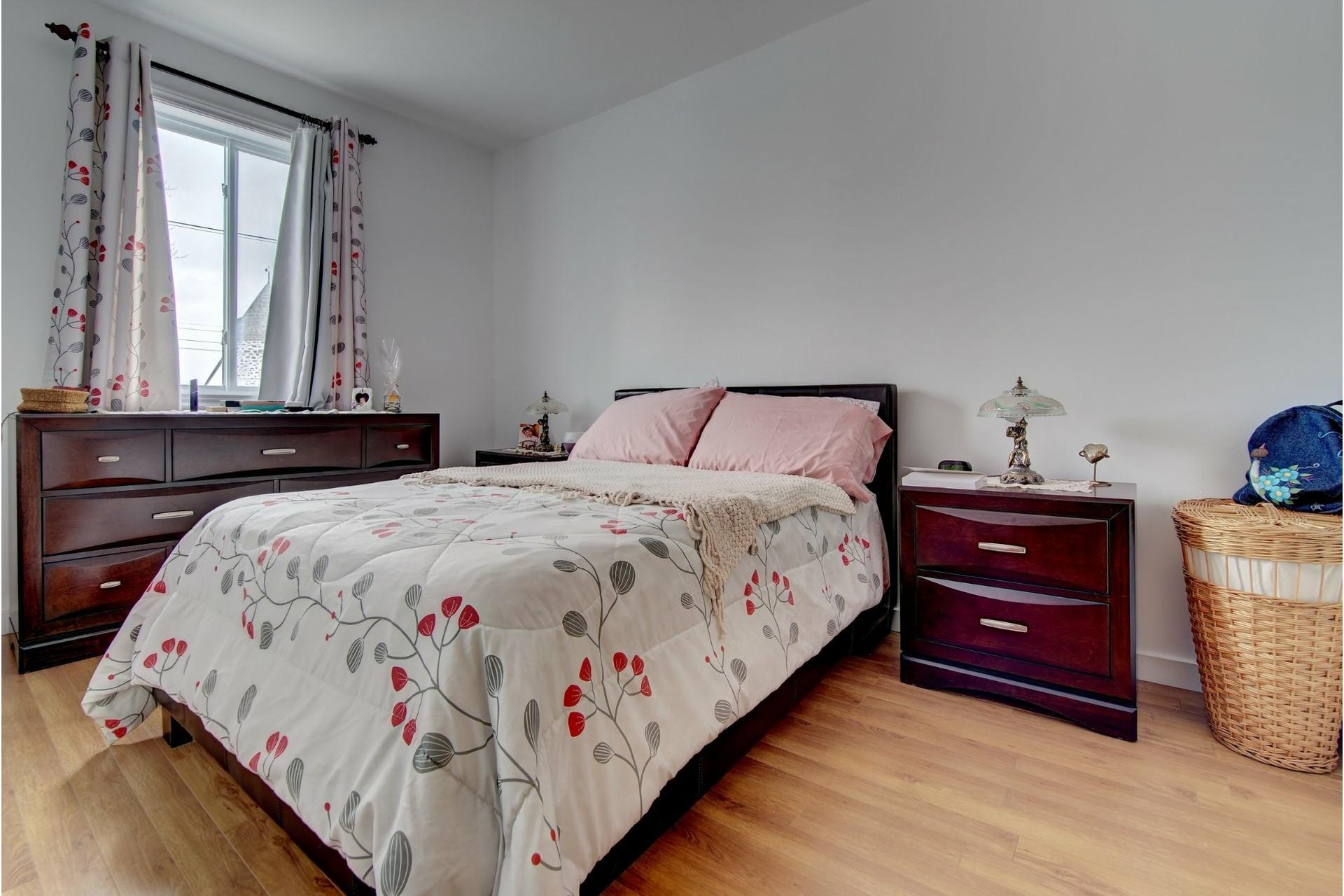 image 10 - Quadruplex For sale Rivière-des-Prairies/Pointe-aux-Trembles Montréal  - 4 rooms