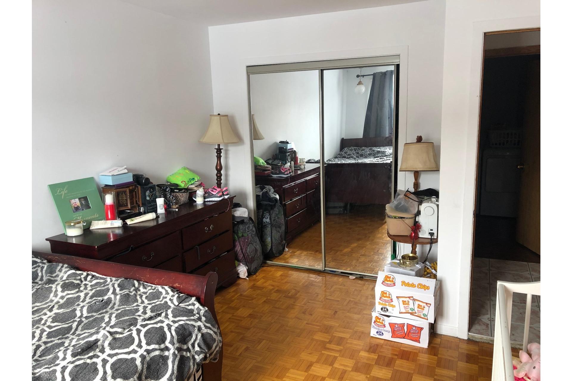 image 4 - Triplex For sale LaSalle Montréal  - 7 rooms