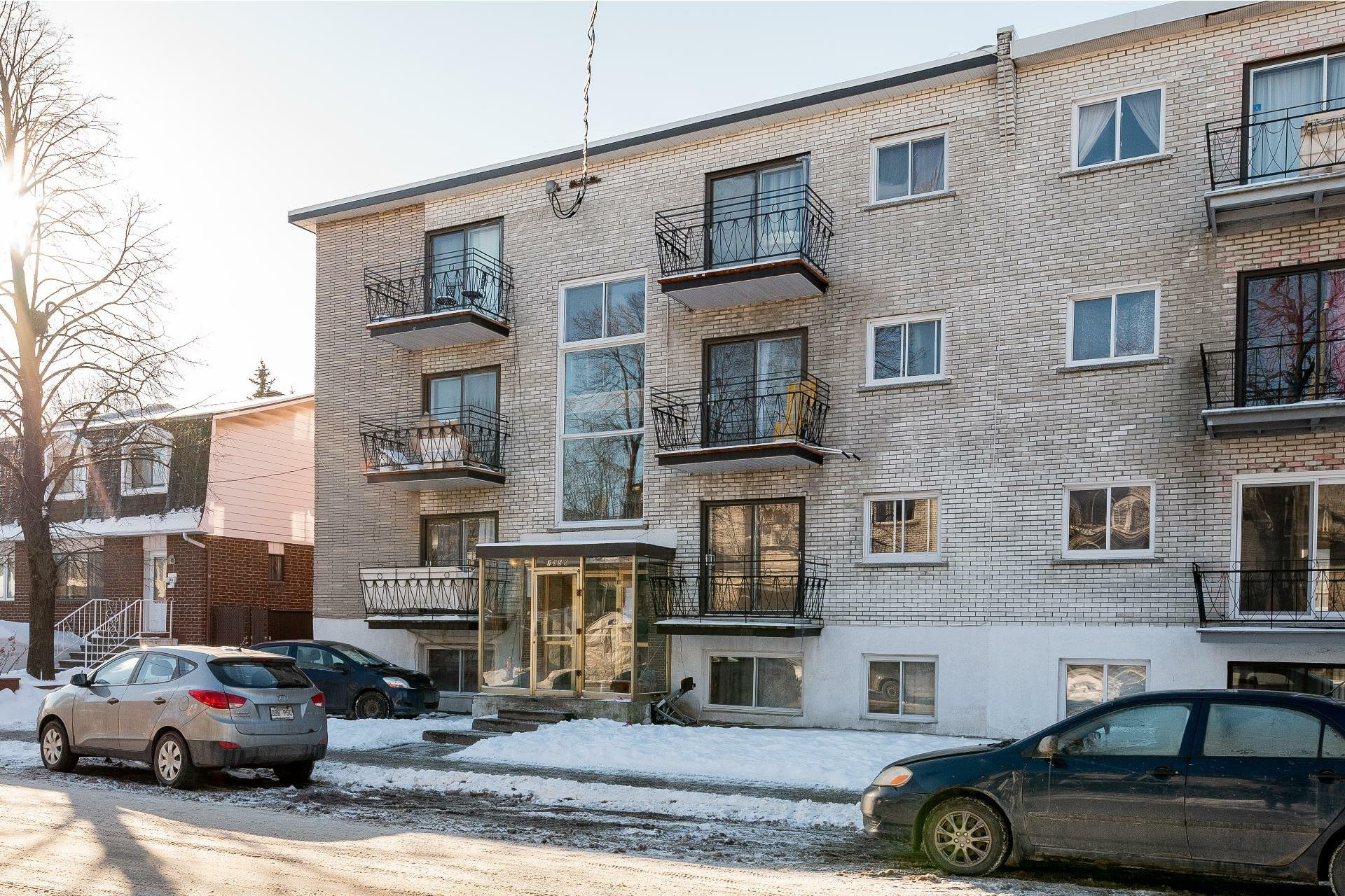 image 0 - Immeuble à revenus À vendre Anjou Montréal  - 5 pièces