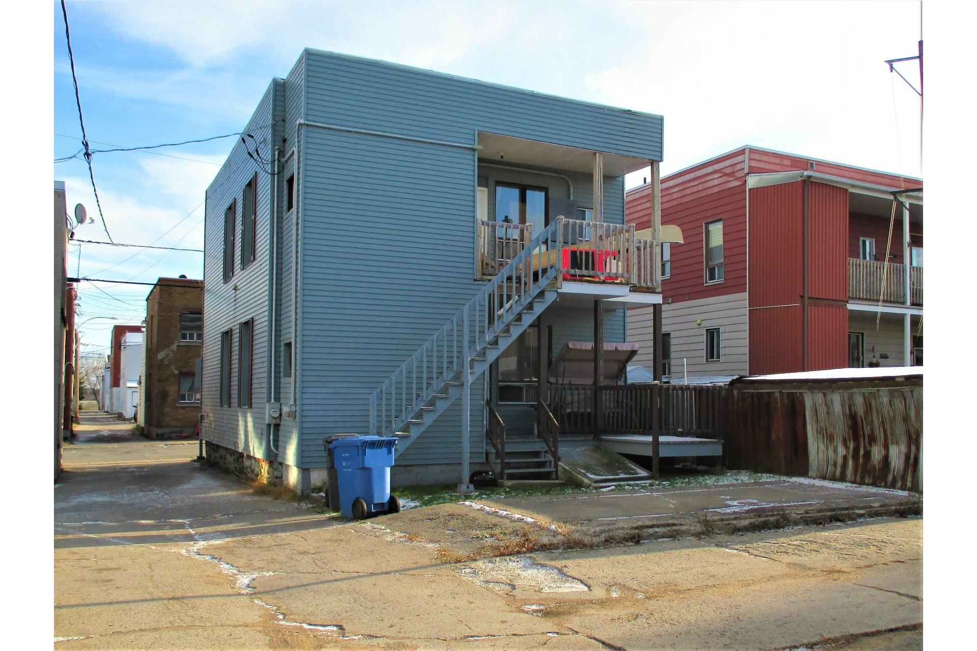 image 2 - Duplex À vendre Shawinigan - 5 pièces